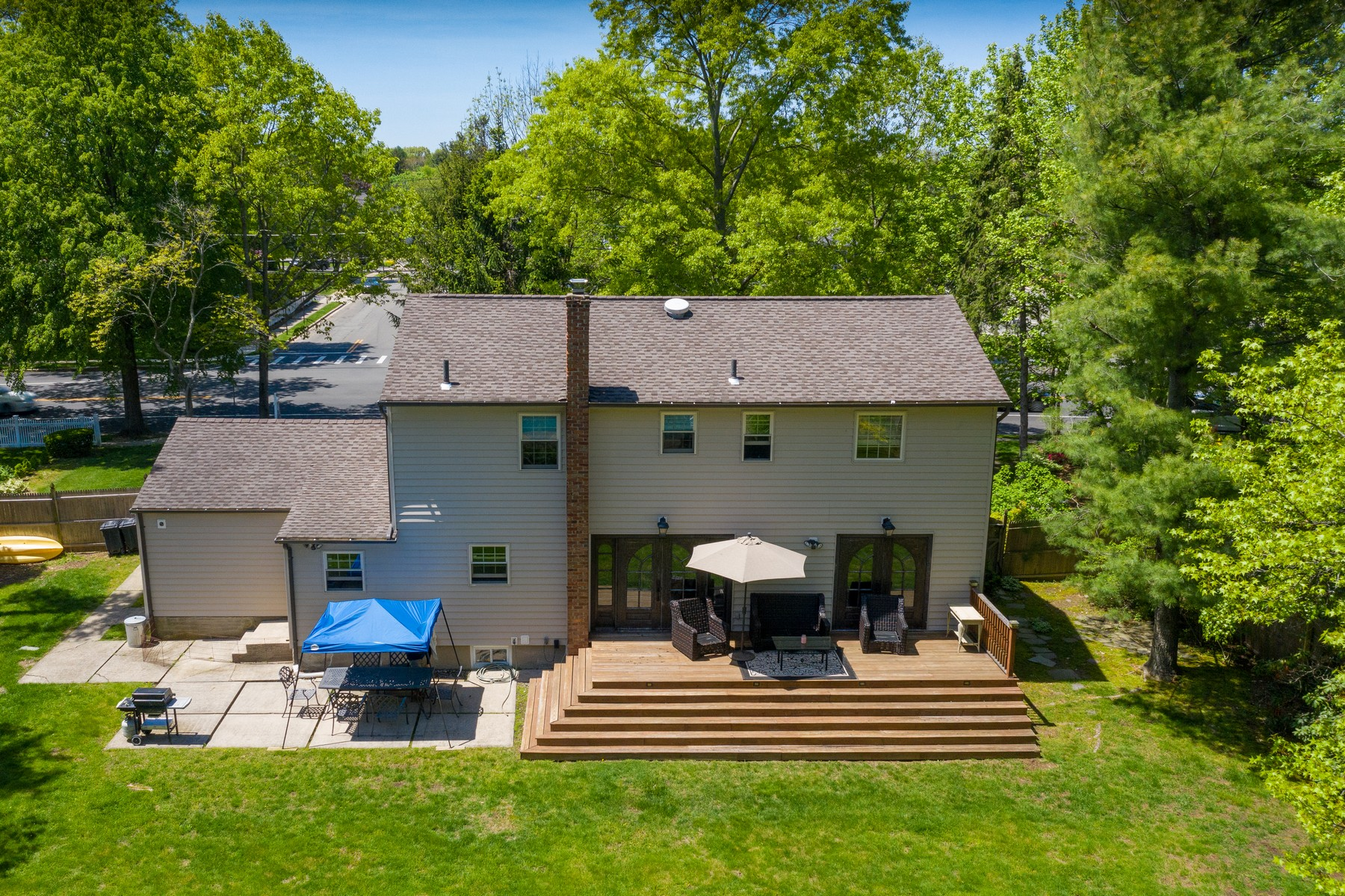 Single Family Homes for Sale at Syosset 184 Cold Spring Road Rd Syosset, New York 11791 United States