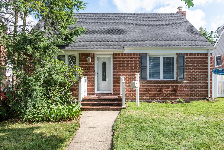 Single Family Homes för Försäljning vid Williston Park 155 William St, Williston Park, New York 11596 Förenta staterna