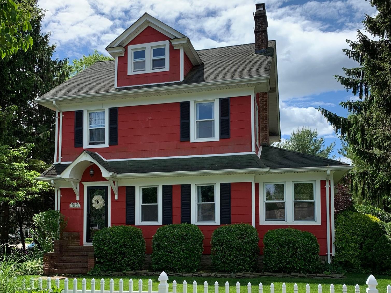 Single Family Homes 為 出售 在 E. Northport 1180 5th Avenue, East Northport, 纽约 11731 美國