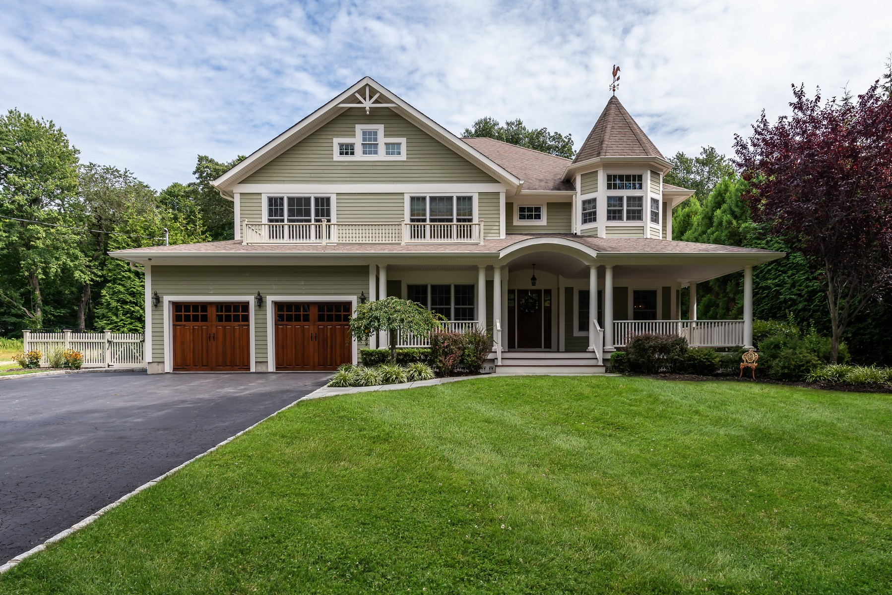 Single Family Homes for Sale at Cold Spring Hrbr 56 Hawxhurst Road Cold Spring Harbor, New York 11724 United States