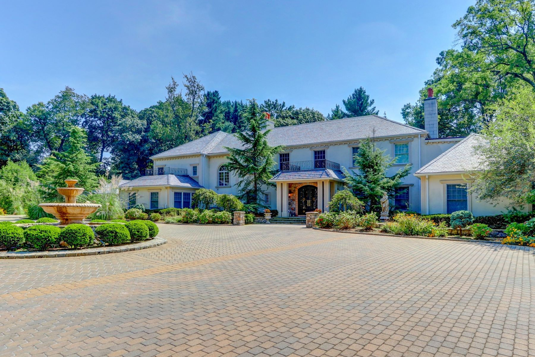 Single Family Homes for Sale at Old Westbury 75 Bacon Road Old Westbury, New York 11568 United States