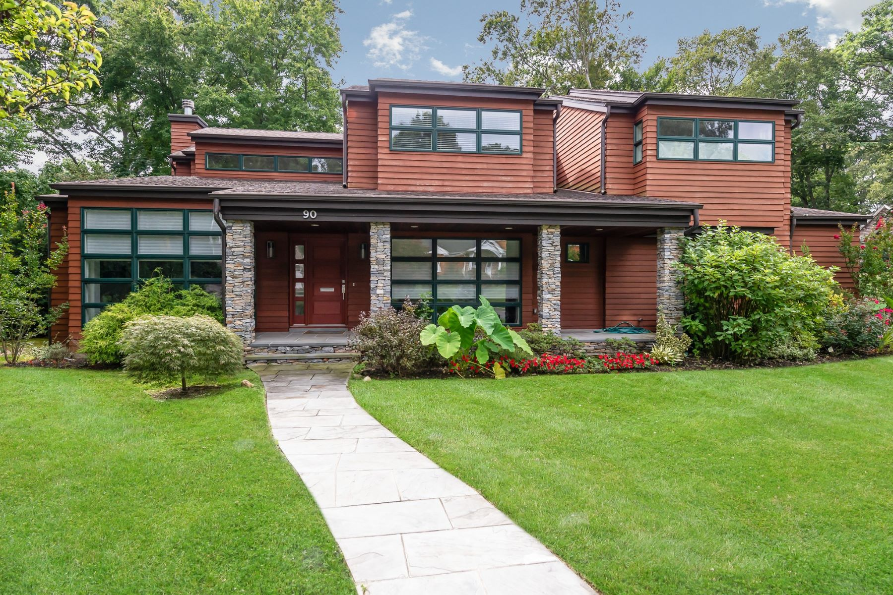 Single Family Homes for Sale at East Hills 90 Revere Rd East Hills, New York 11577 United States