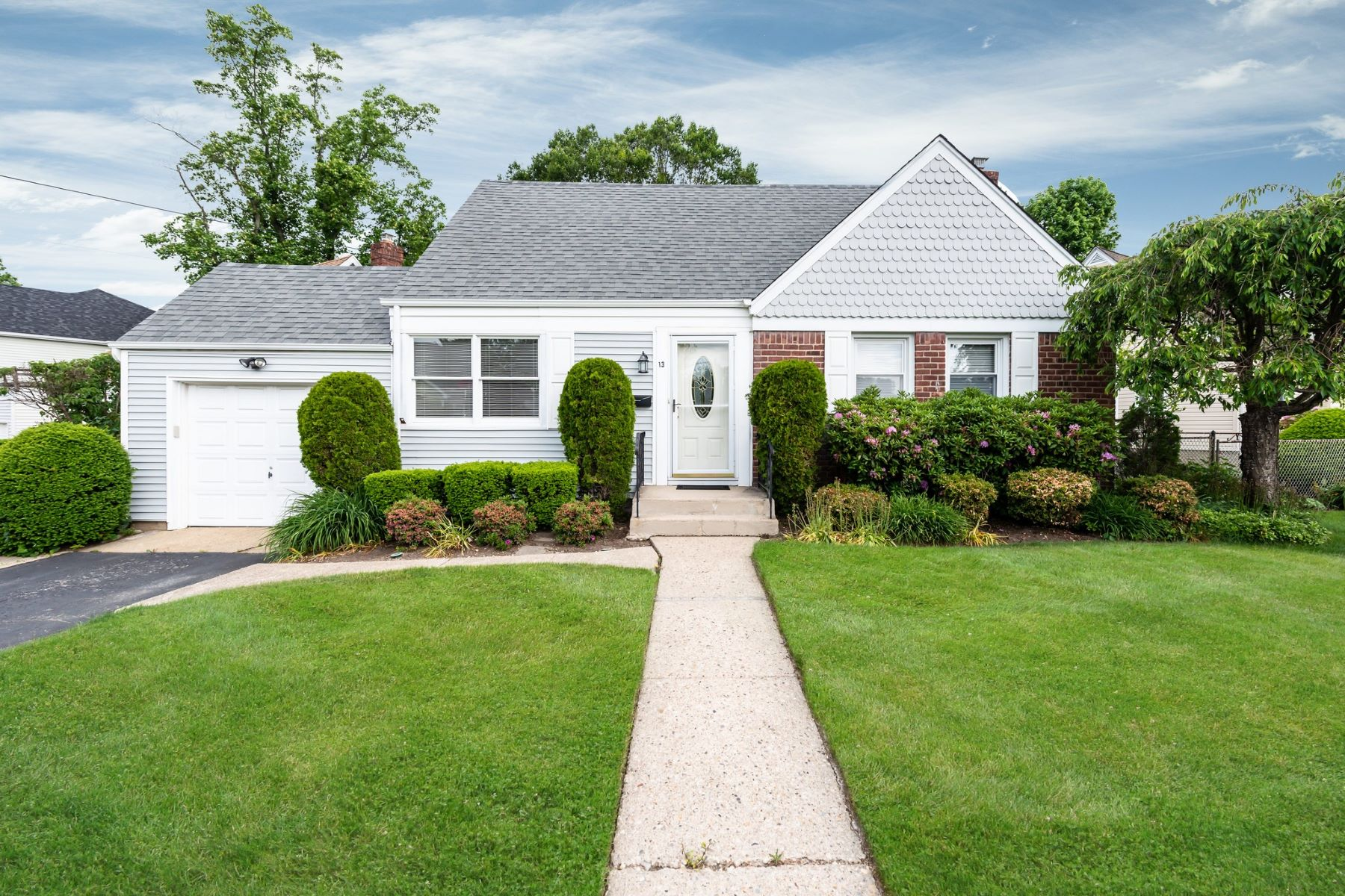 Single Family Homes for Active at Syosset 13 Jarvis Avenue Syosset, New York 11791 United States