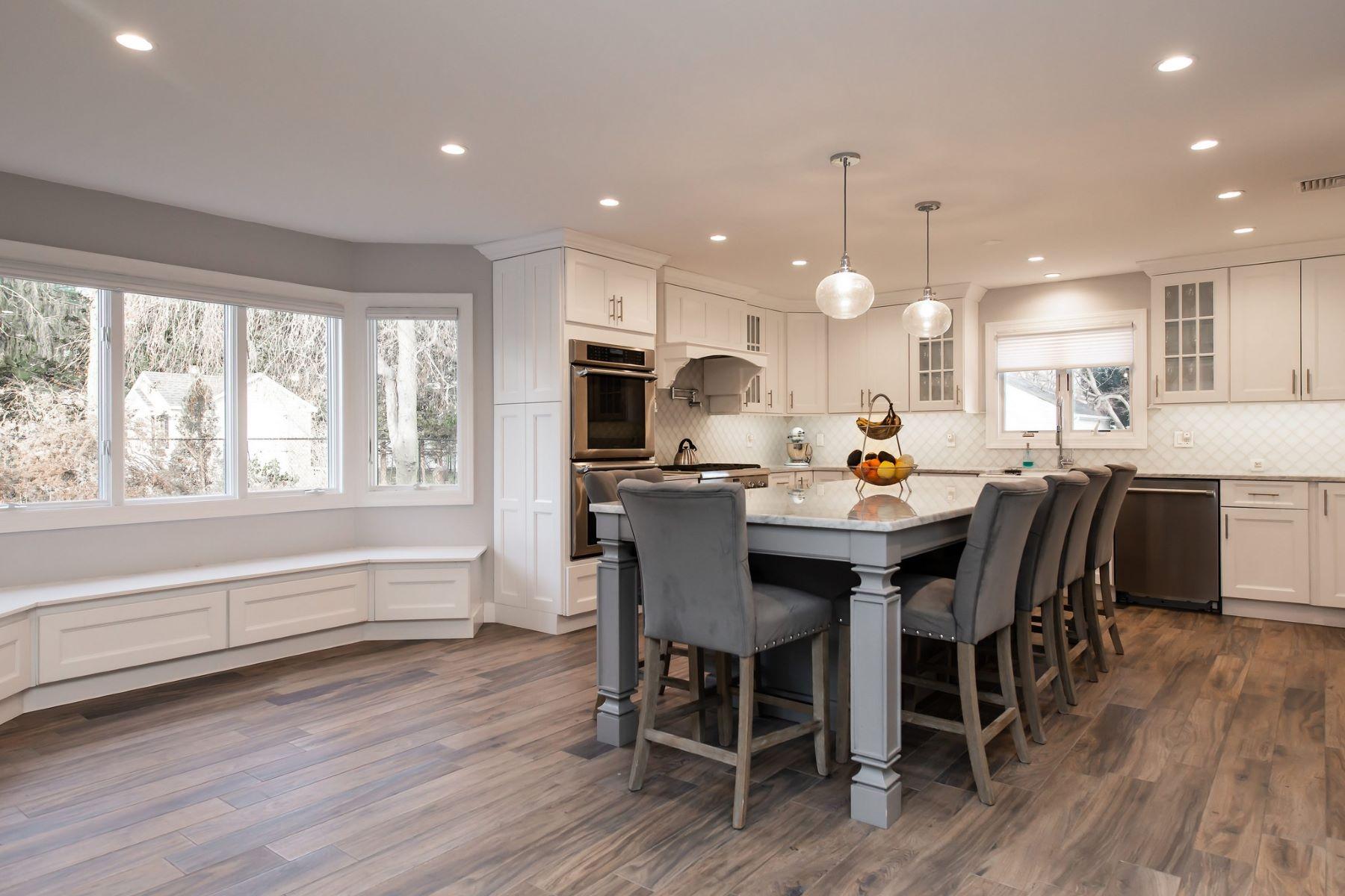 Single Family Homes för Försäljning vid Glen Cove 4 Hickory Ln, Glen Cove, New York 11542 Förenta staterna