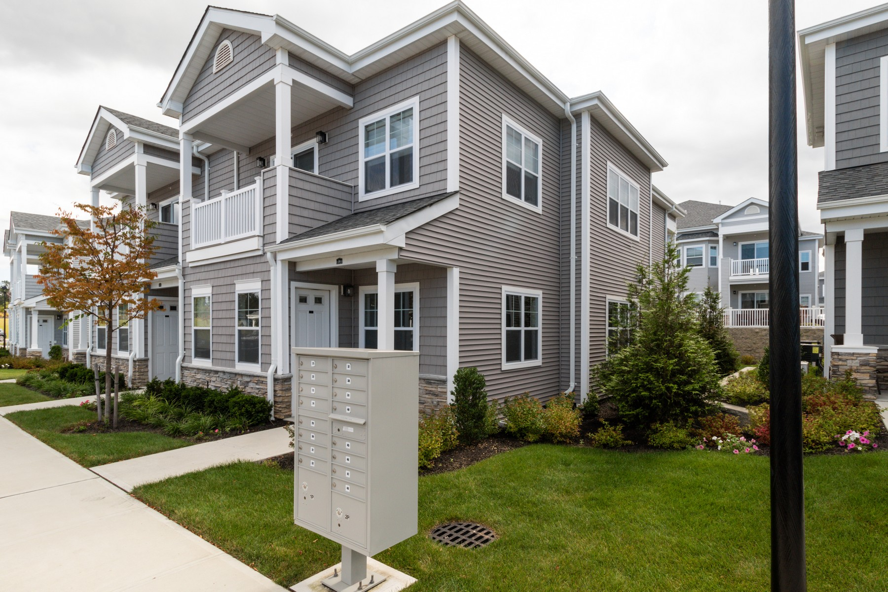 Condominiums for Sale at E. Northport 31 Winter Pl East Northport, New York 11731 United States