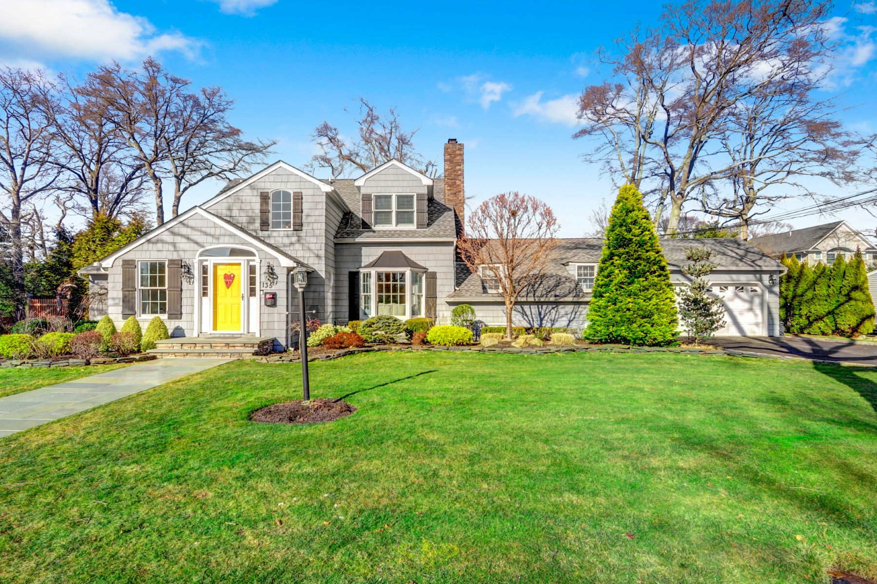 Single Family Homes for Active at Massapequa 135 Shoreham Road Massapequa, New York 11758 United States