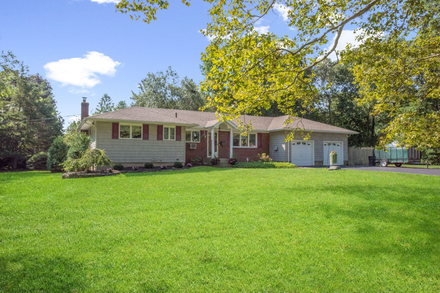 Single Family Homes for Active at Commack 8 Campden Lane Commack, New York 11725 United States