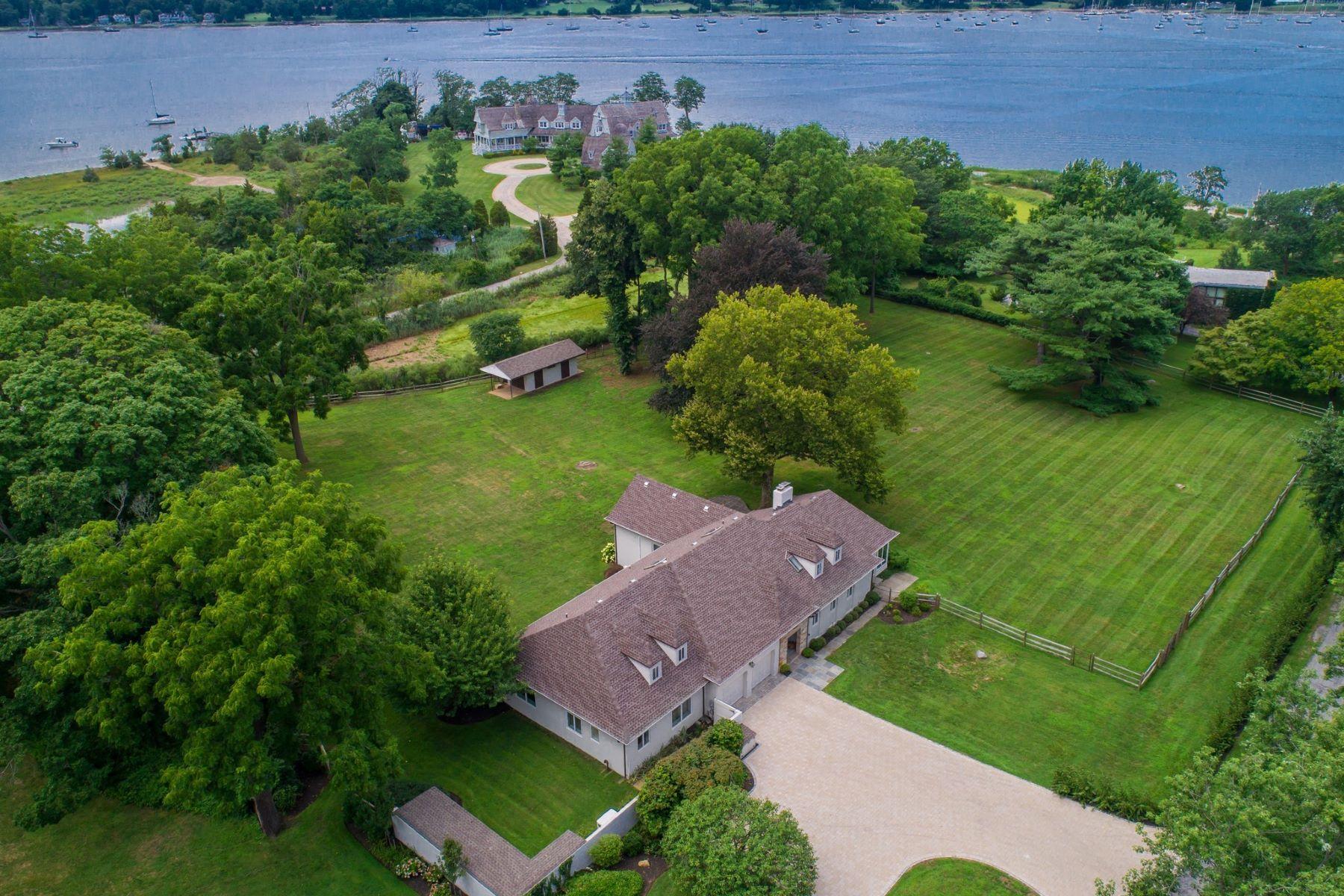 Single Family Homes för Försäljning vid 95 Cove Neck Rd, Cove Neck, New York 11771 Förenta staterna