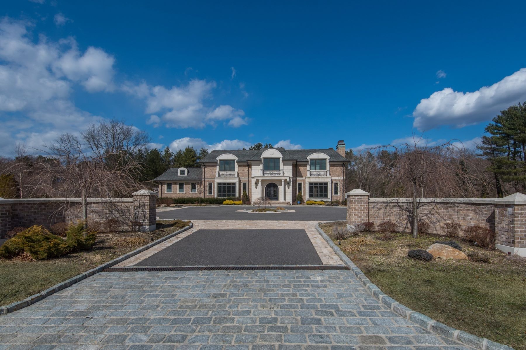 Single Family Homes for Sale at Old Westbury 22 Rolling Hill Road Old Westbury, New York 11568 United States