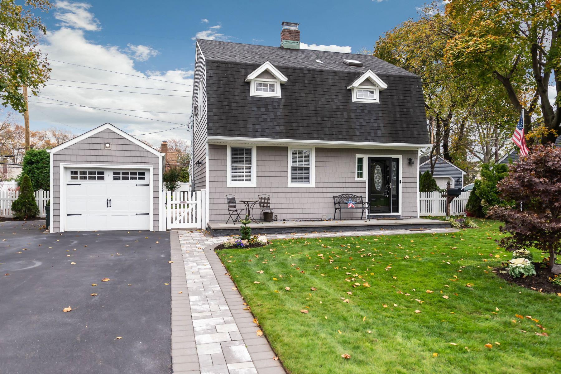 Single Family Homes for Sale at Westbury 140 Earl St Westbury, New York 11590 United States