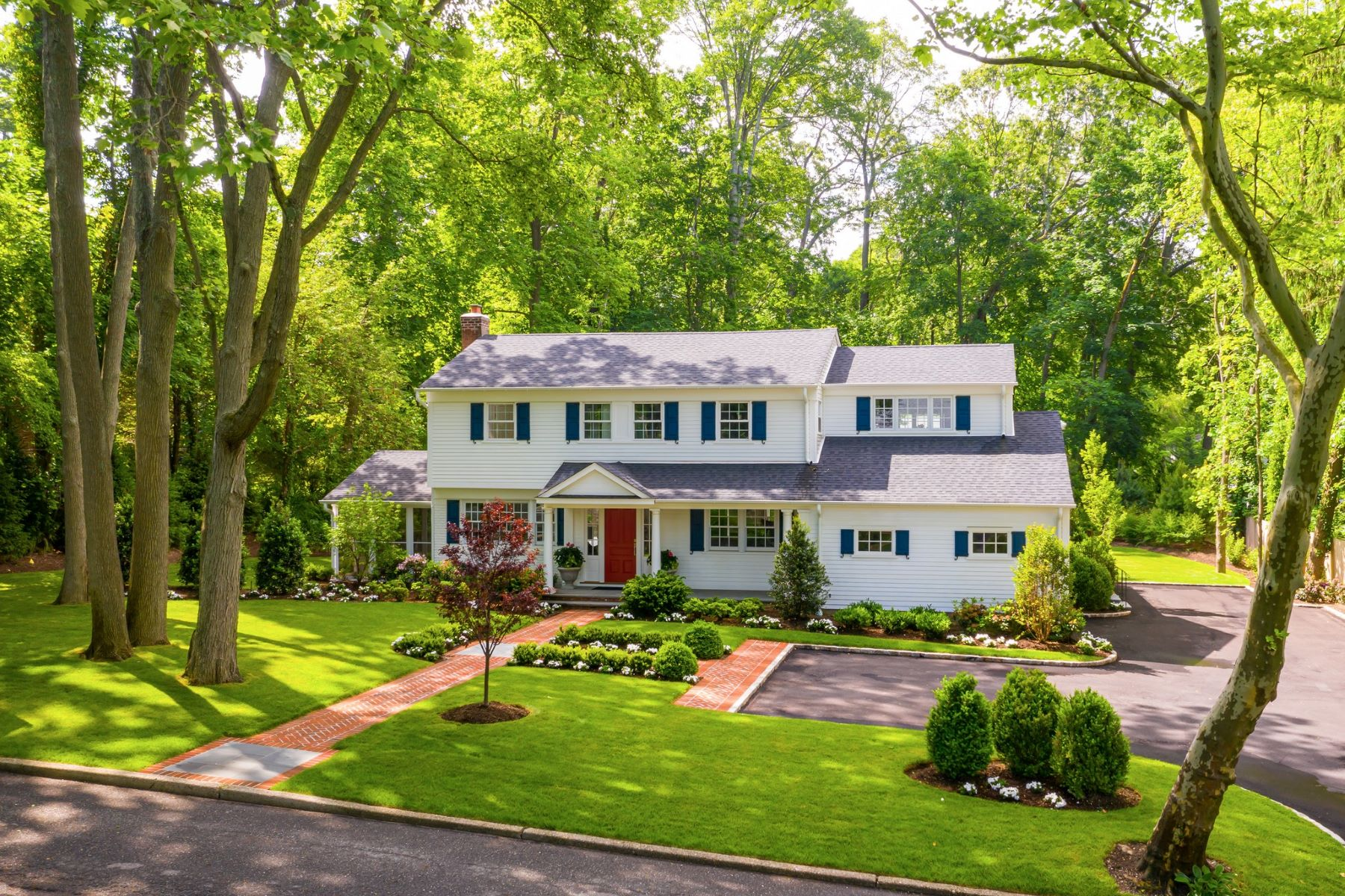 Single Family Homes for Sale at Cold Spring Hrbr 128 Midland St Cold Spring Harbor, New York 11724 United States