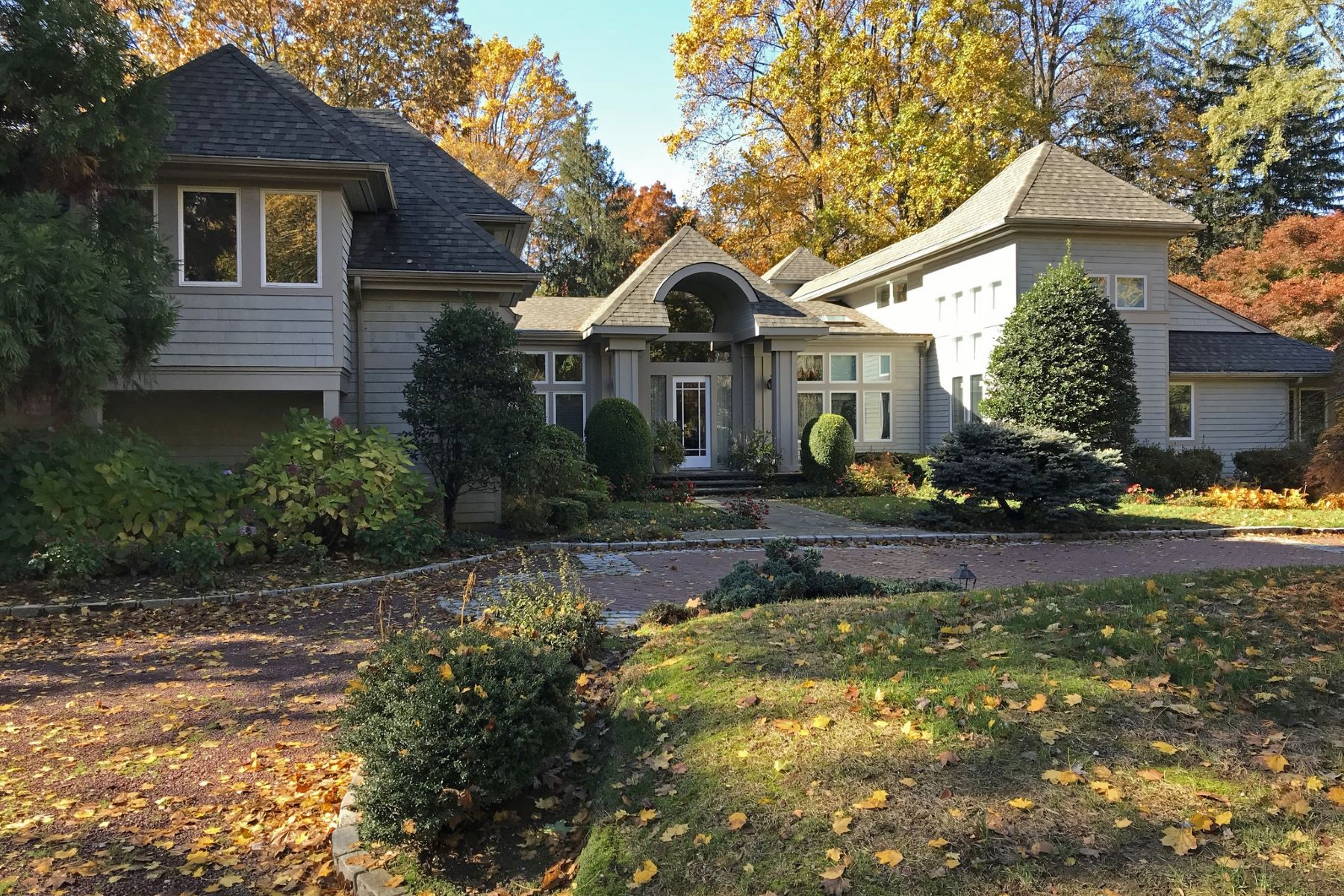 Single Family Homes for Active at Upper Brookville 24 Winding Ln Upper Brookville, New York 11545 United States