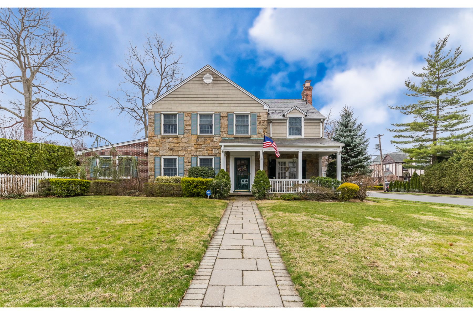 Single Family Homes for Active at Rockville Centre 22 Berkshire Rd Rockville Centre, New York 11570 United States