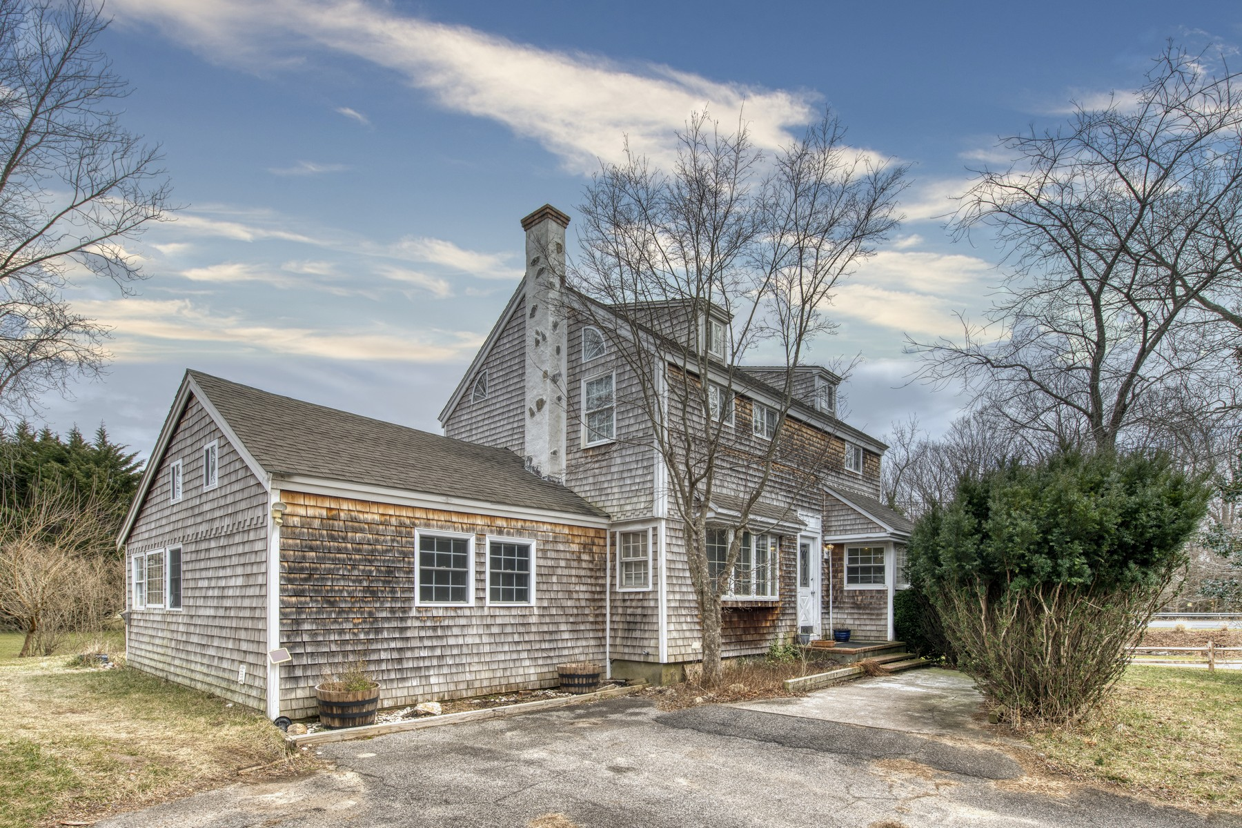 Single Family Homes for Sale at Southold 170 Laurel Avenue Southold, New York 11971 United States
