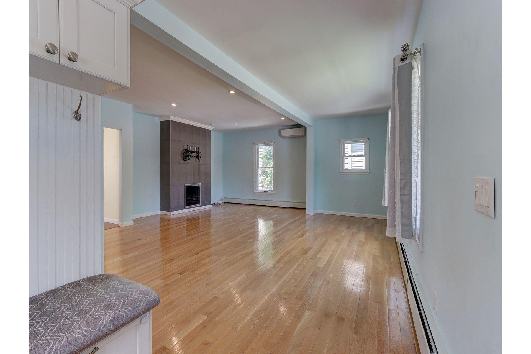 Single Family Homes för Försäljning vid Lynbrook 15 Remsen St, Lynbrook, New York 11563 Förenta staterna