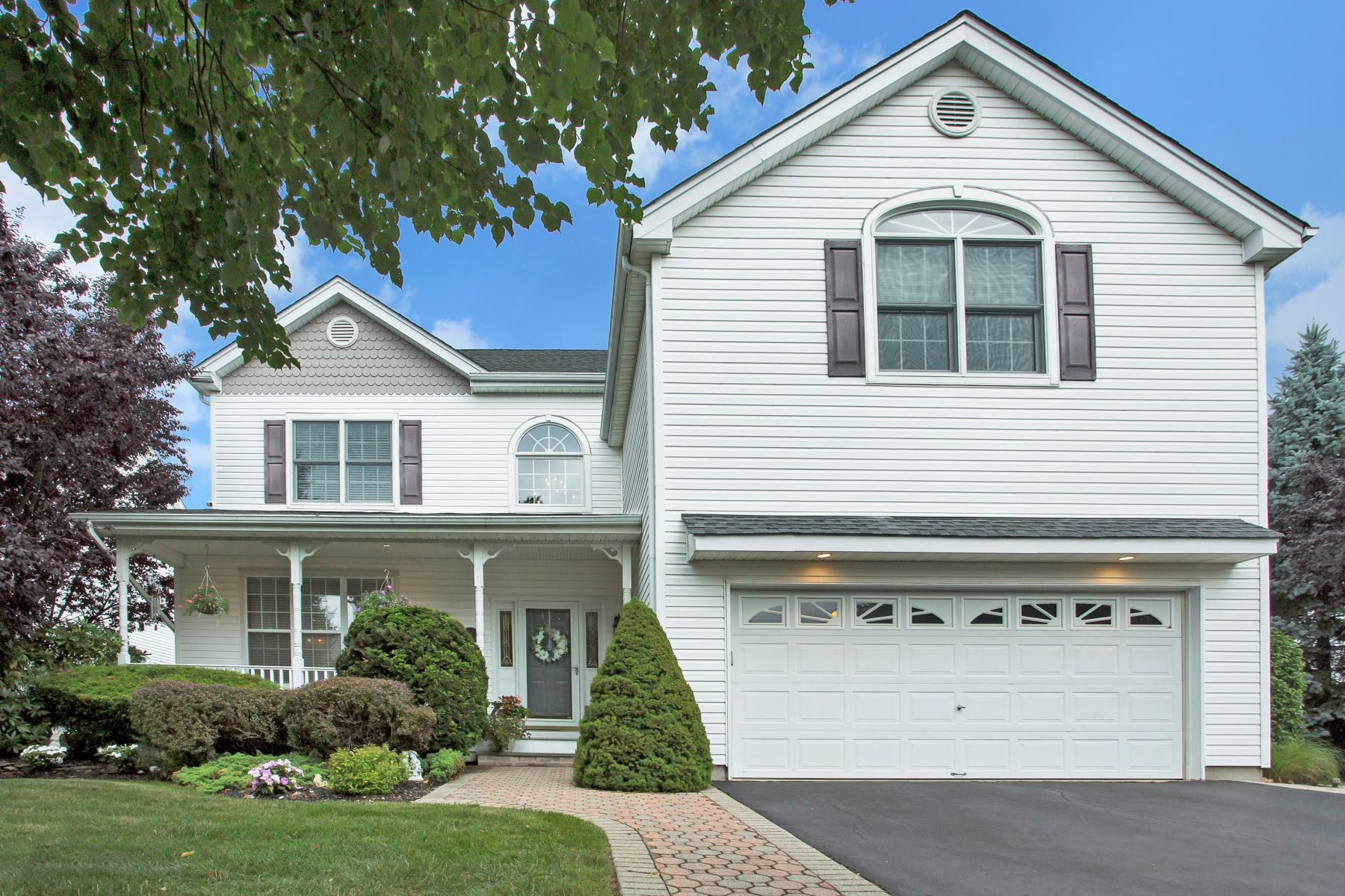 Single Family Homes for Sale at Melville 14 Wharton Pl Melville, New York 11747 United States
