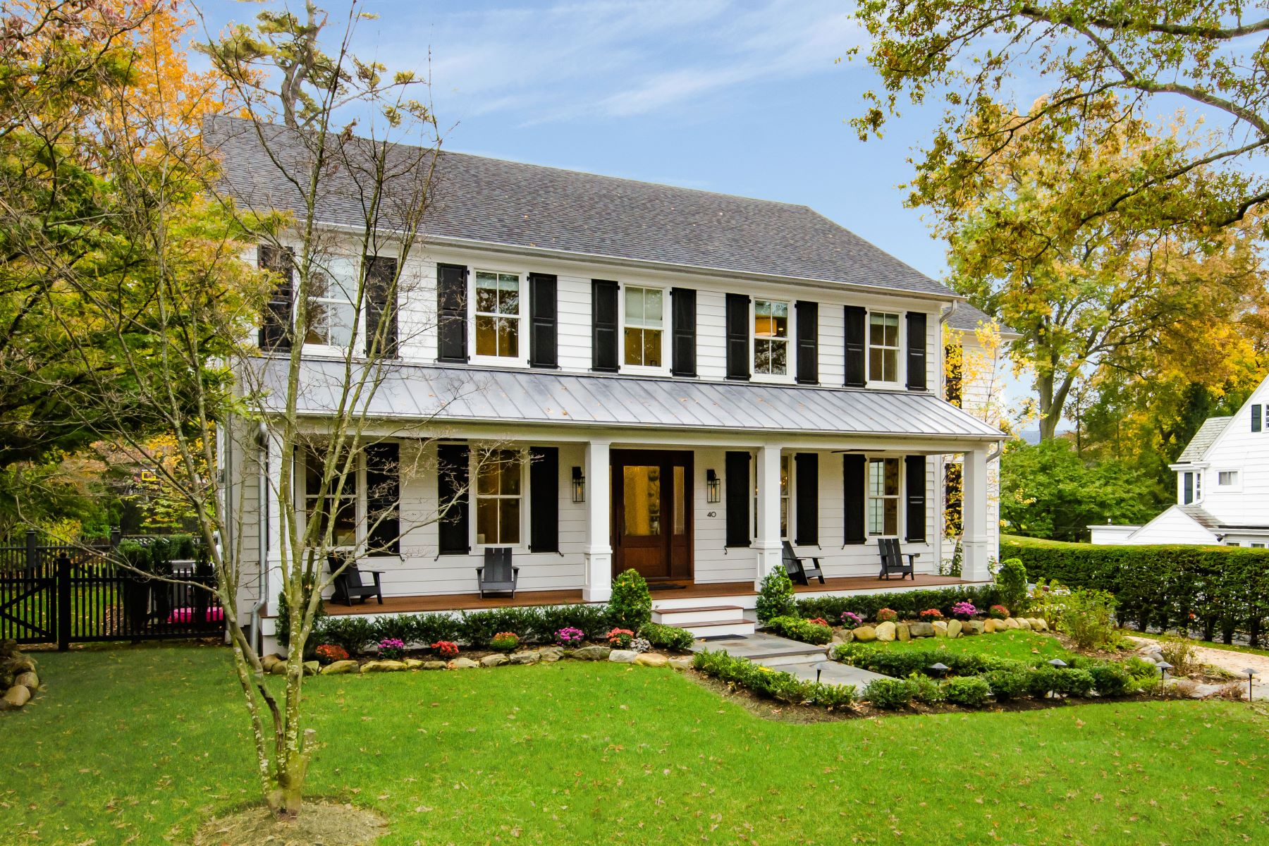 Single Family Homes for Sale at Manhasset 40 South Dr Manhasset, New York 11030 United States