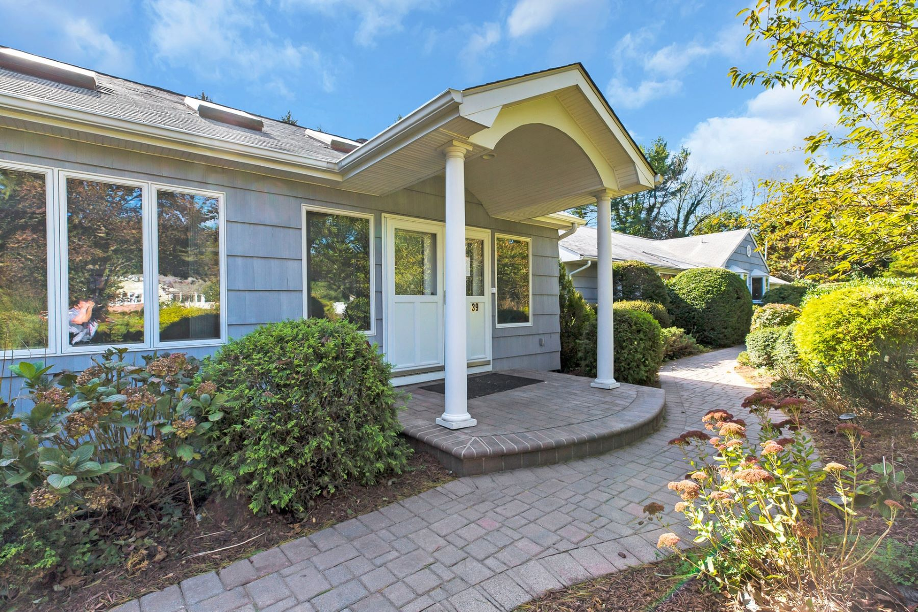 Single Family Homes for Sale at Cold Spring Hrbr 39 Eastwoods Dr Cold Spring Harbor, New York 11724 United States