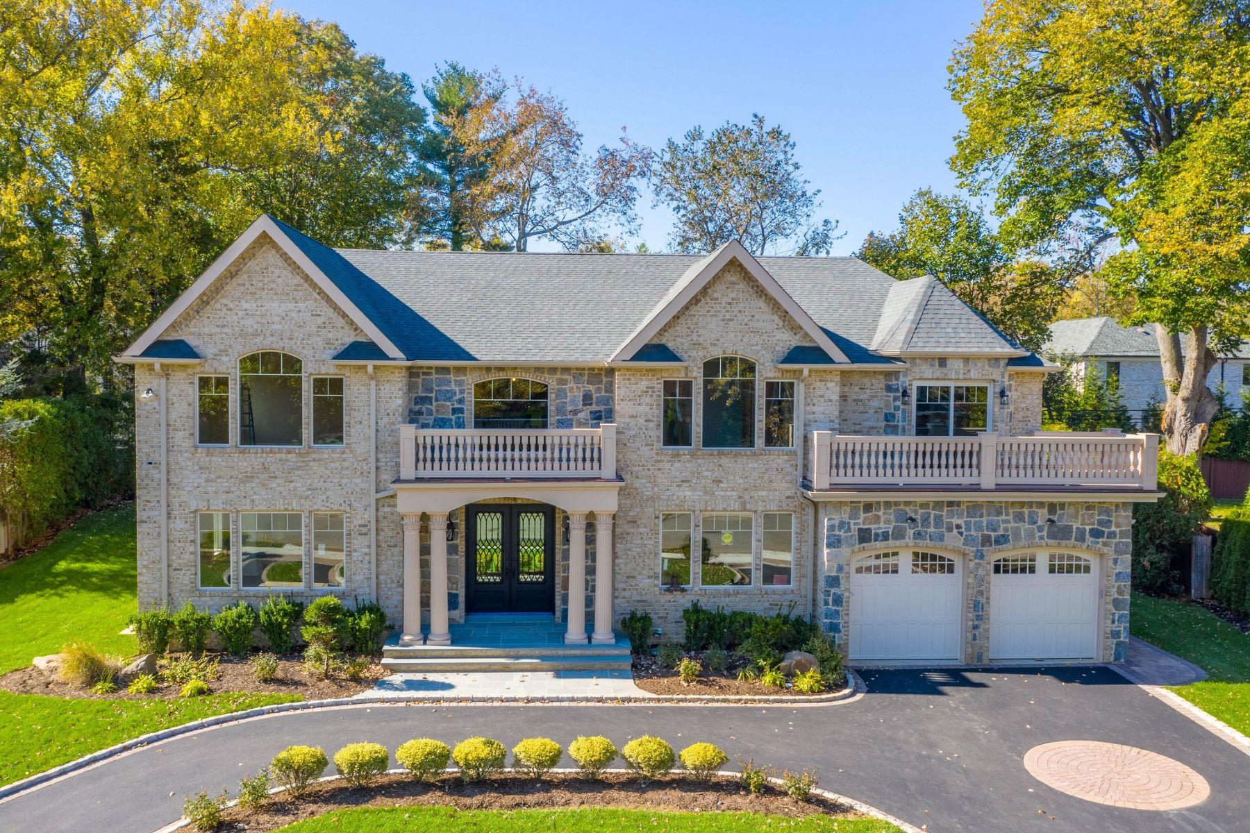 Single Family Homes für Verkauf beim Roslyn Heights 53 Barnyard Ln, Roslyn Heights, New York 11577 Vereinigte Staaten