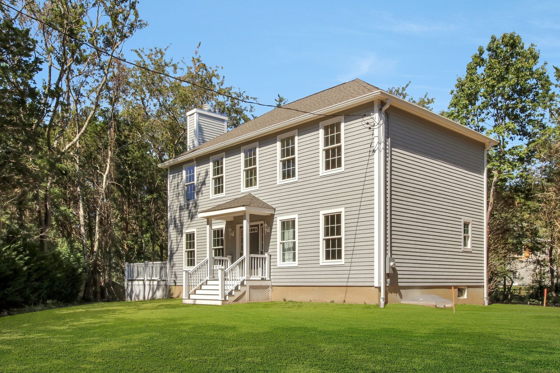 Single Family Homes 용 매매 에 Southold 415 S Lakeside Dr, Southold, 뉴욕 11971 미국