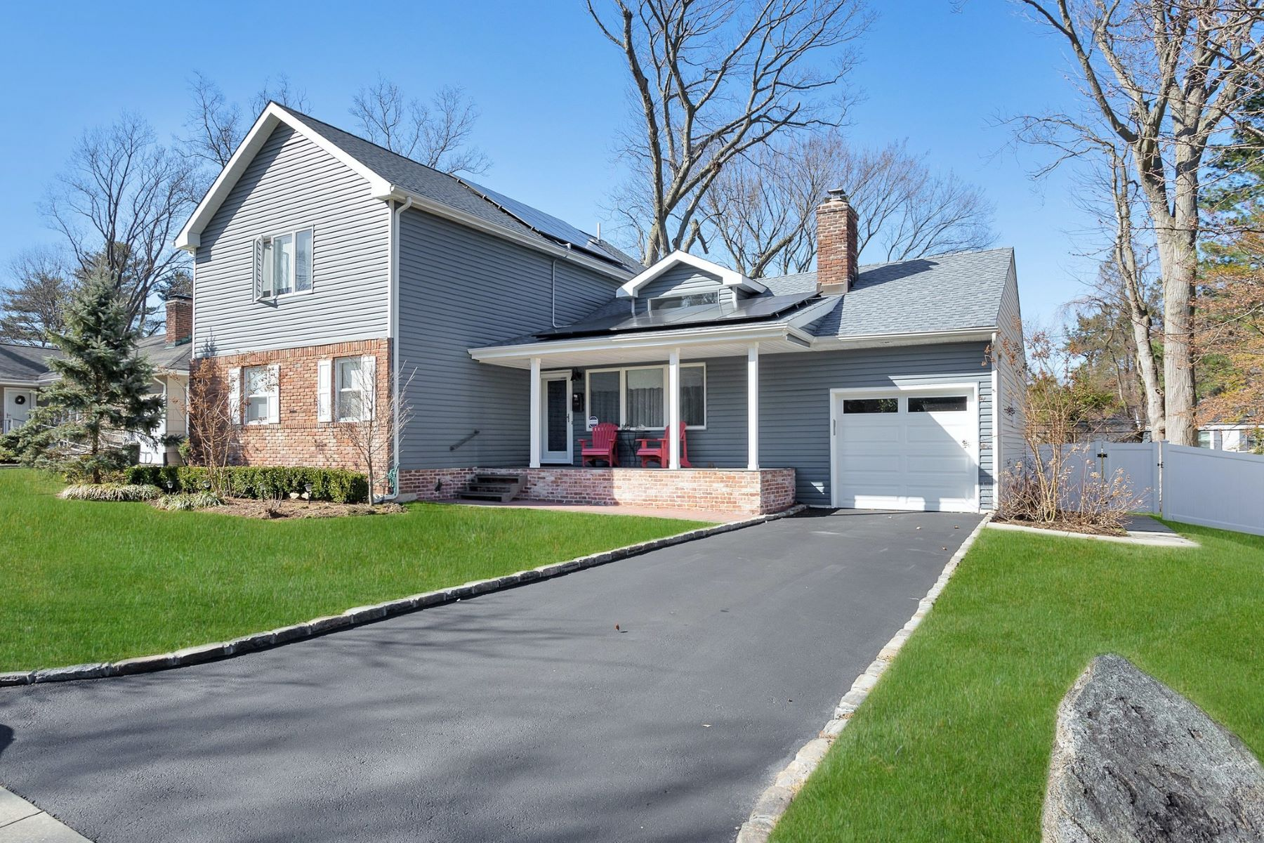 Single Family Homes for Active at Glen Head 83 Plymouth Drive Glen Head, New York 11545 United States