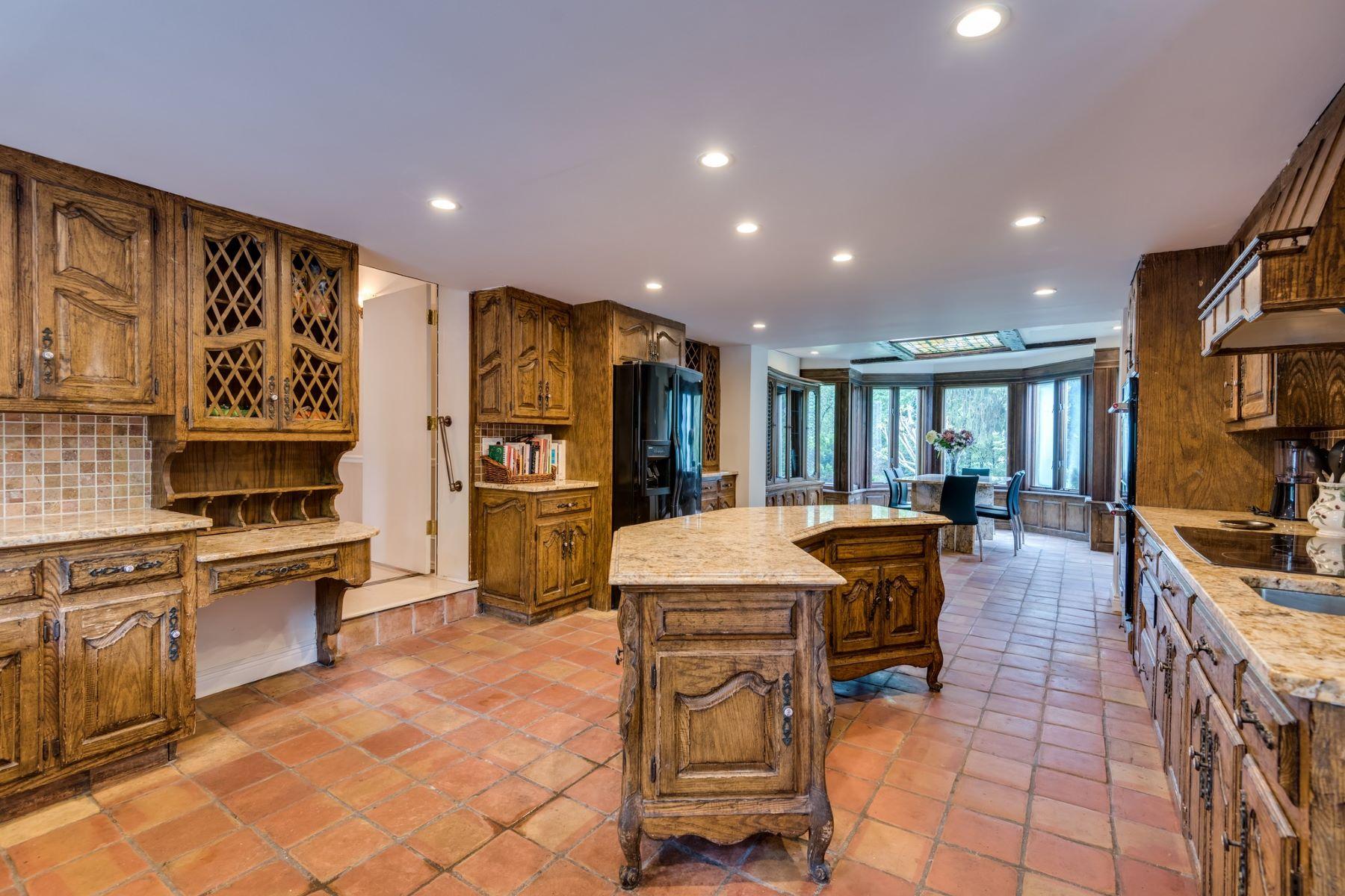 Single Family Homes för Försäljning vid Roslyn Heights 501 Old Westbury Rd, Roslyn Heights, New York 11577 Förenta staterna