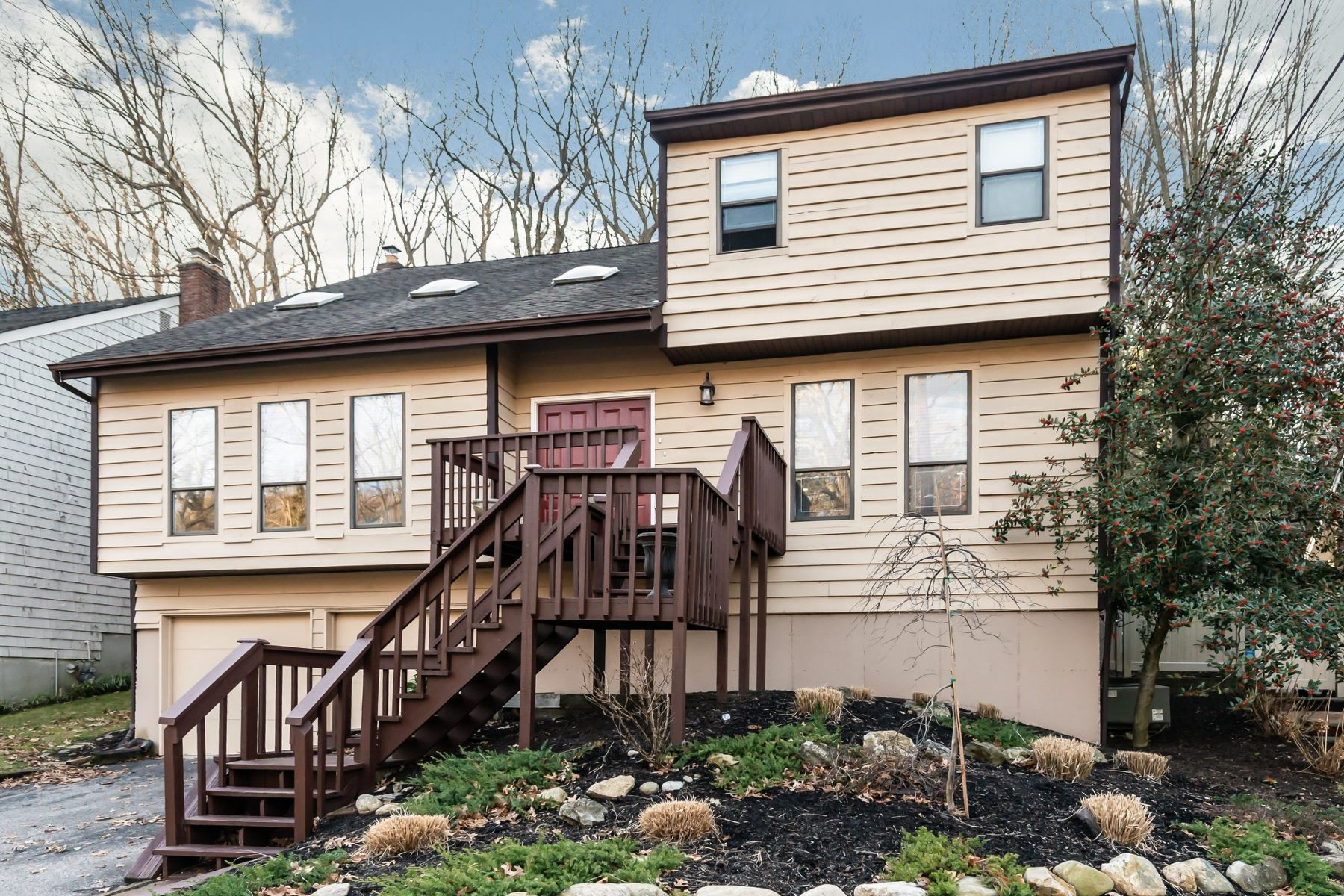 Single Family Homes for Active at East Norwich 42 Sugar Toms Ln East Norwich, New York 11732 United States