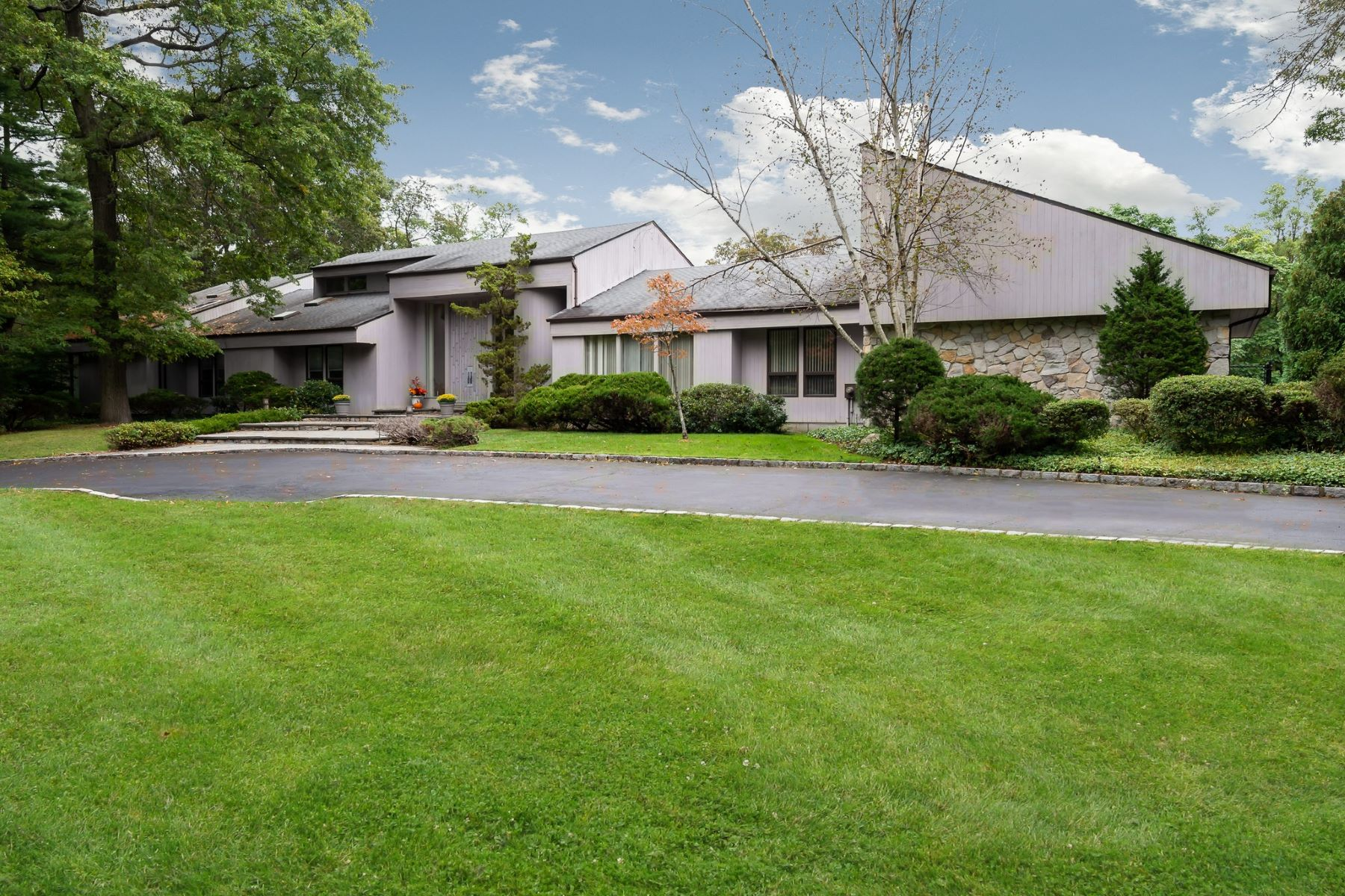 Single Family Homes for Active at Muttontown 10 Serenite Lane Muttontown, New York 11791 United States