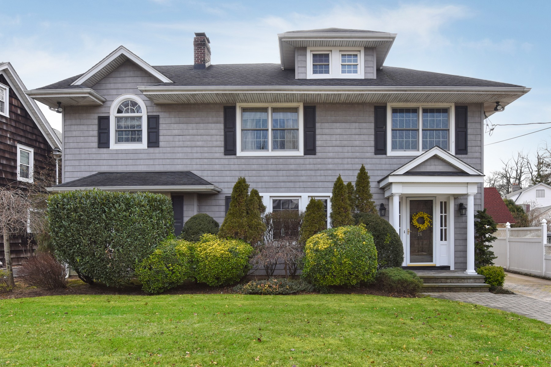 Single Family Homes for Active at Rockville Centre 26 Revere St Rockville Centre, New York 11570 United States