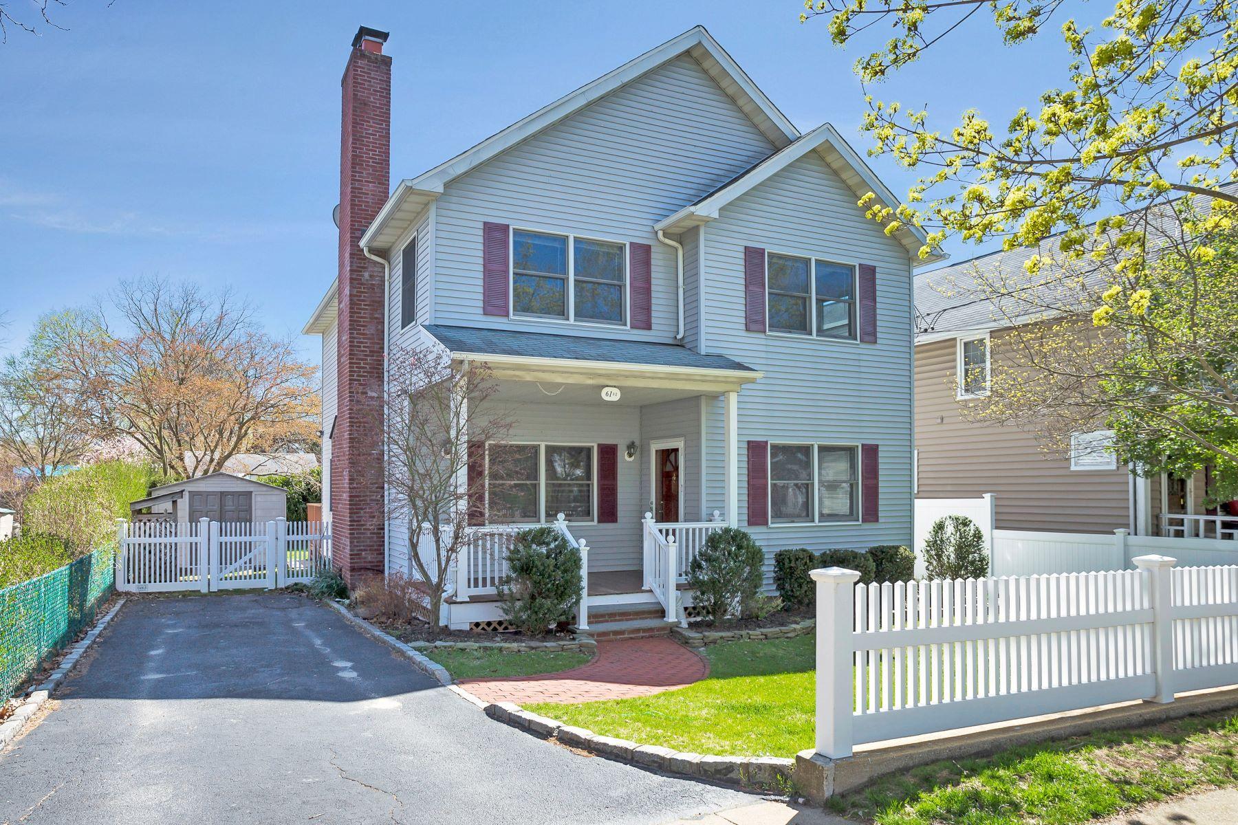 Single Family Homes for Active at Glenwood Landing 61 1/2 Grove St Glenwood Landing, New York 11547 United States