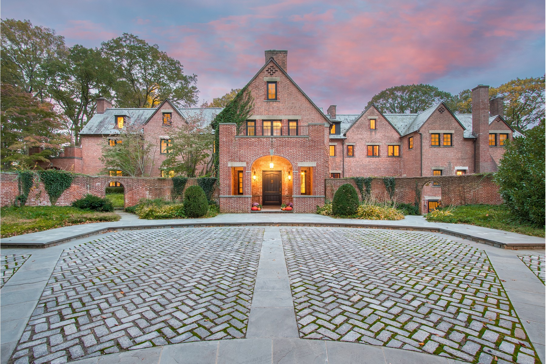 Single Family Homes for Active at Old Westbury 53 Bacon Road Old Westbury, New York 11568 United States
