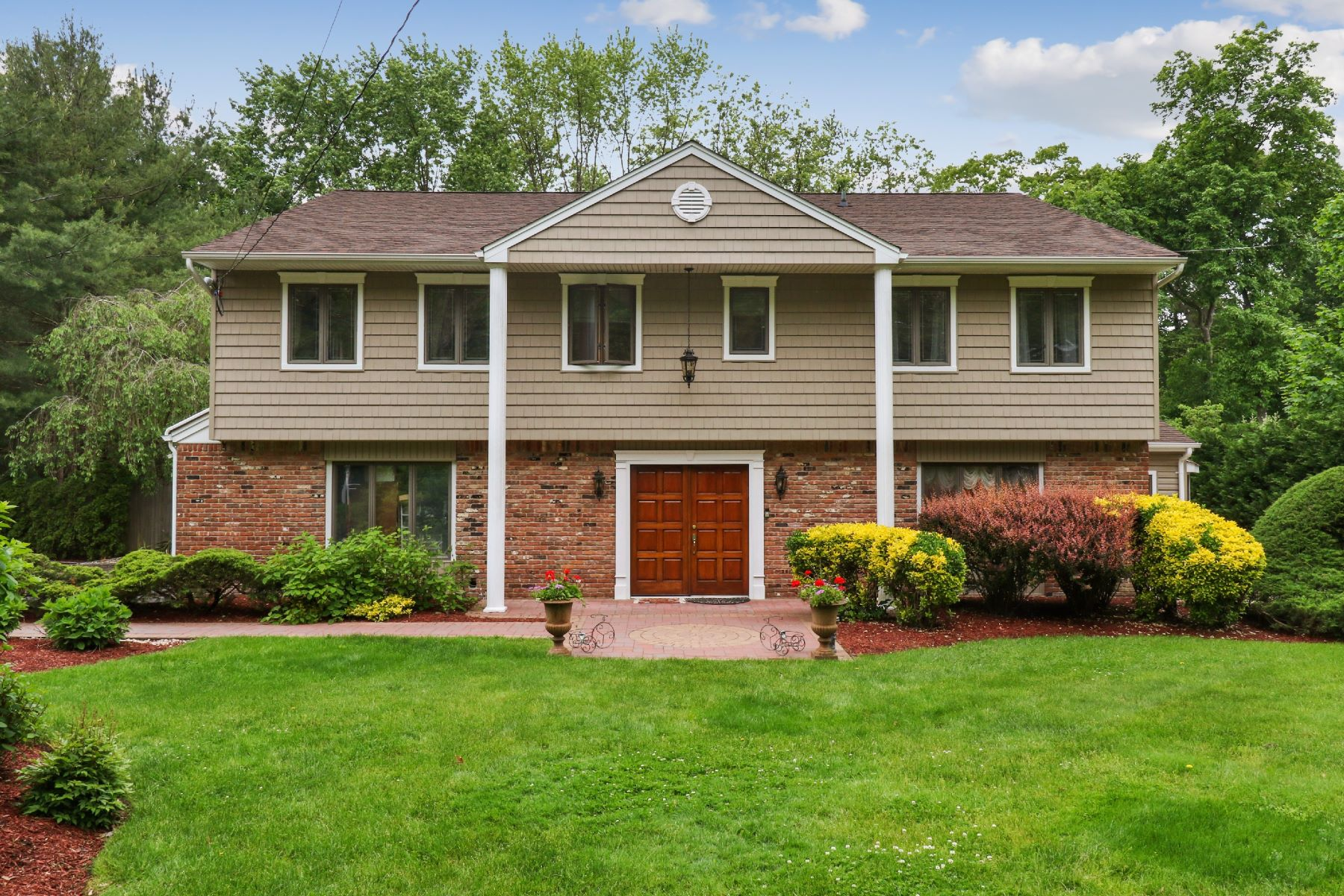 Single Family Homes for Sale at Dix Hills 4 Norma Ln Dix Hills, New York 11746 United States