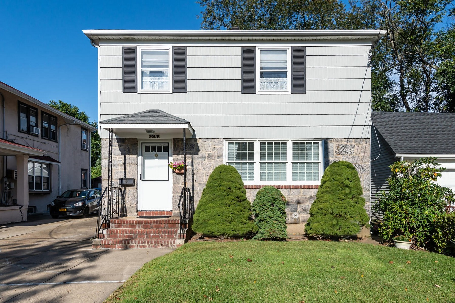 Single Family Homes for Sale at Floral Park 4 Cedar St Floral Park, New York 11001 United States