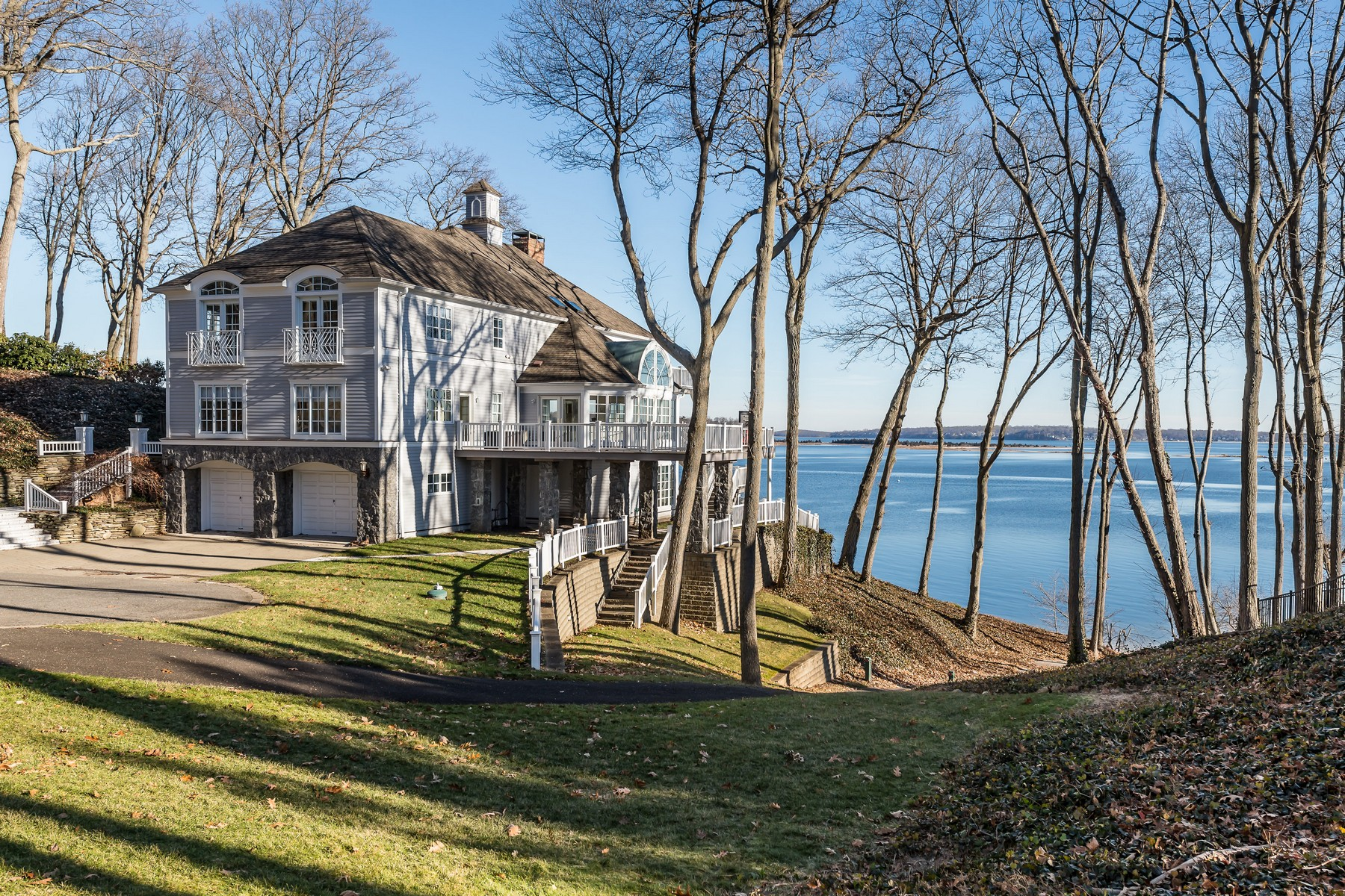 Single Family Homes for Sale at Lloyd Harbor 14 Lloyd Haven Drive Lloyd Harbor, New York 11743 United States