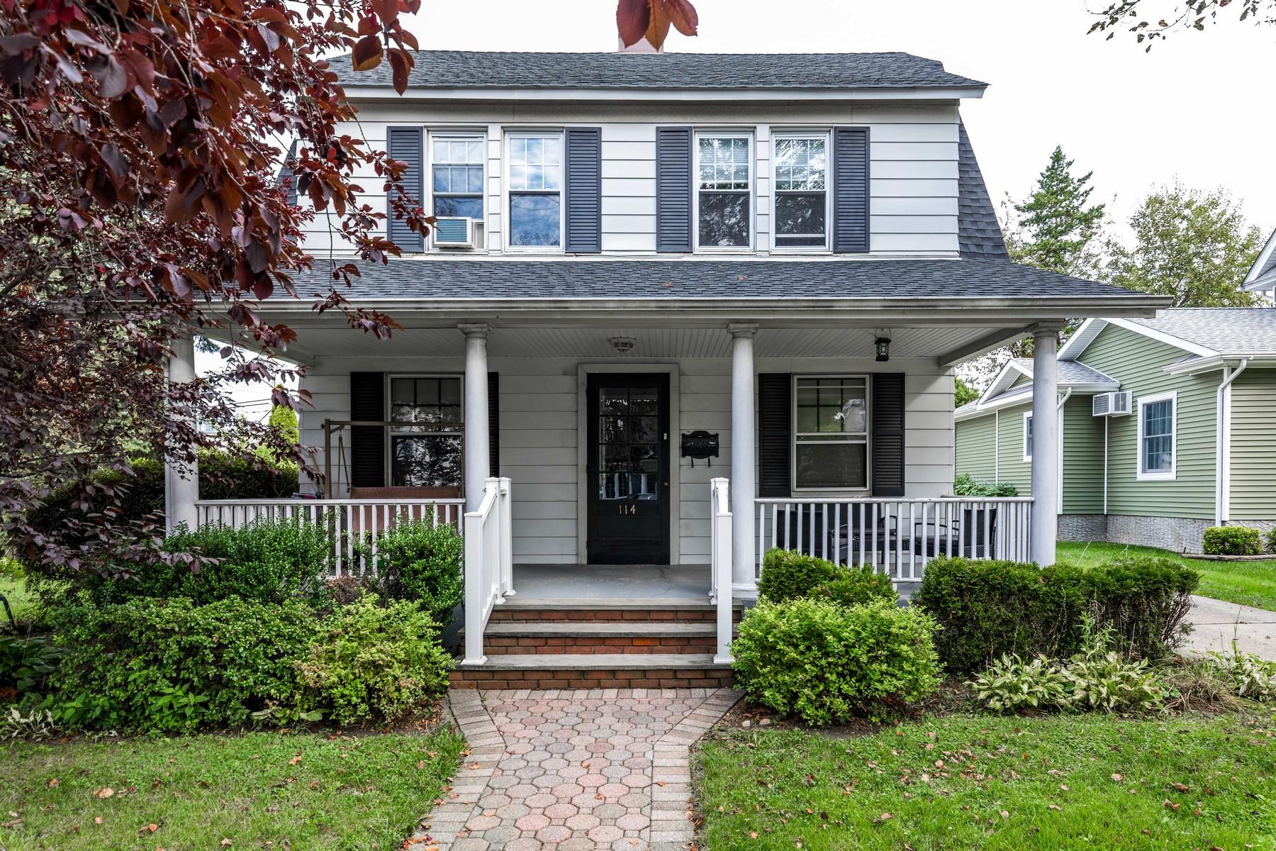 Single Family Homes för Försäljning vid Williston Park 114 Sheridan Ave, Williston Park, New York 11596 Förenta staterna