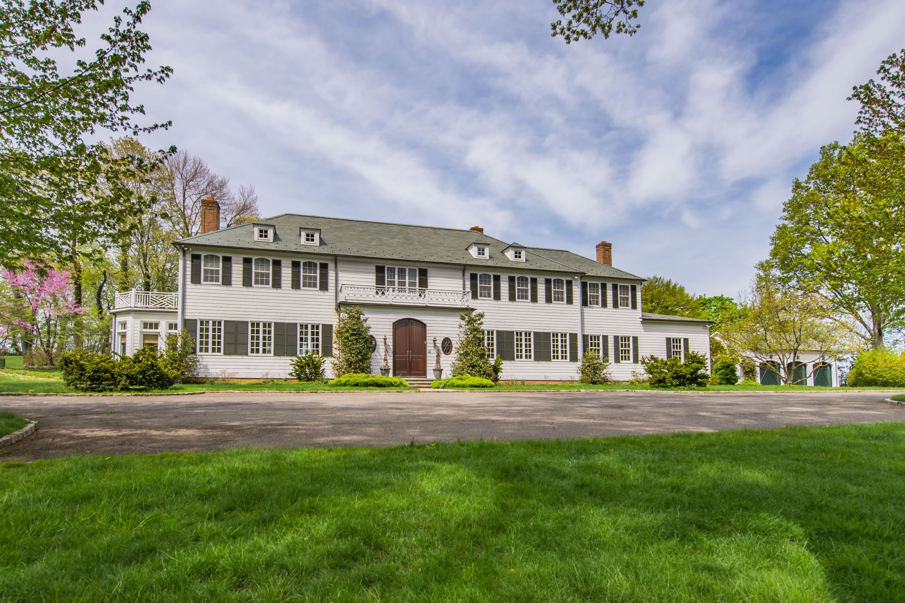 Single Family Homes for Sale at 234 Centre Island Rd Centre Island, New York 11771 United States