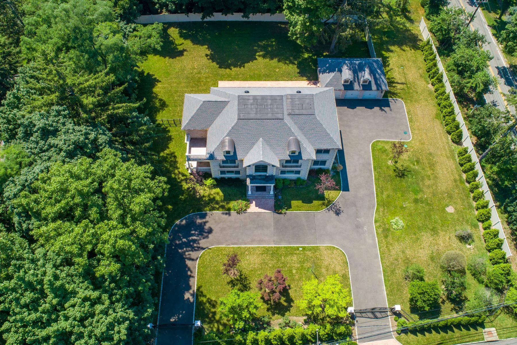 Single Family Homes por un Venta en Roslyn Harbor 595 Motts Cove Road Roslyn Harbor, Nueva York 11576 Estados Unidos