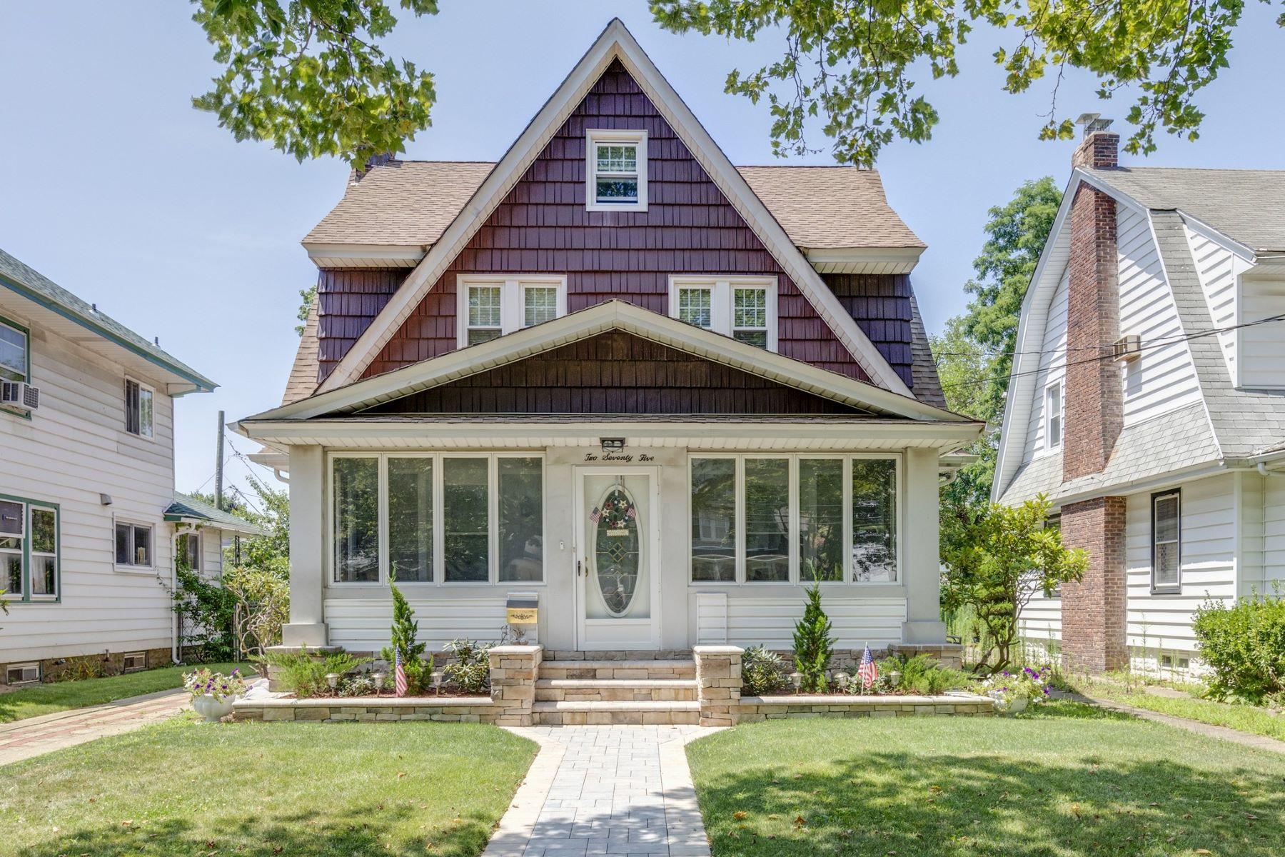 Single Family Homes för Försäljning vid Lynbrook 275 Earle Ave, Lynbrook, New York 11563 Förenta staterna