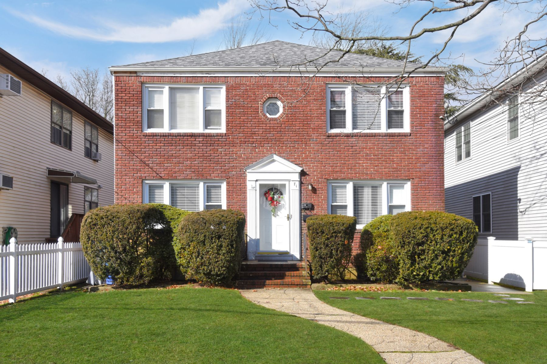 Multi-Family Homes for Active at Lynbrook 71 Evergreen Avenue Lynbrook, New York 11563 United States