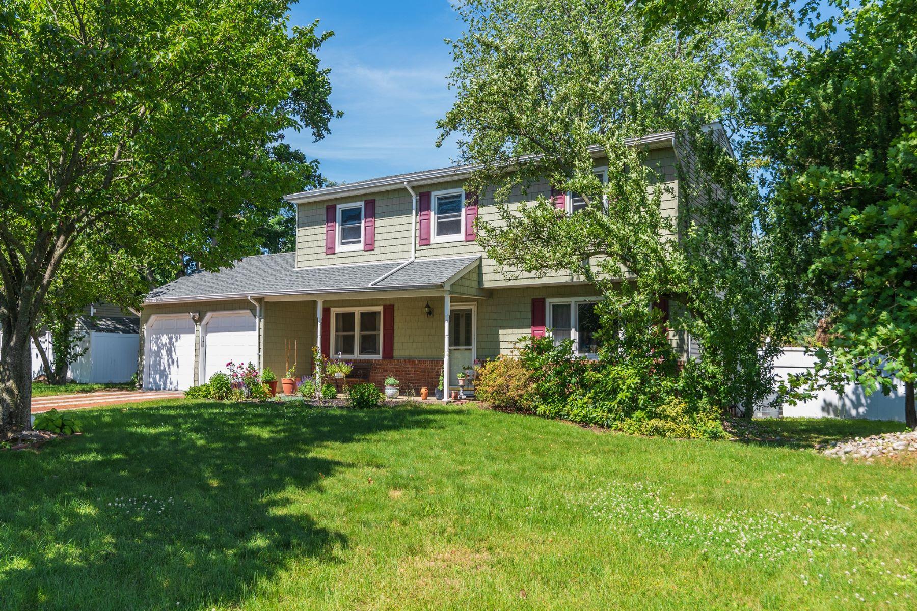 Single Family Homes 為 出售 在 Dix Hills 7 Sagamore Ln, Dix Hills, 纽约 11746 美國