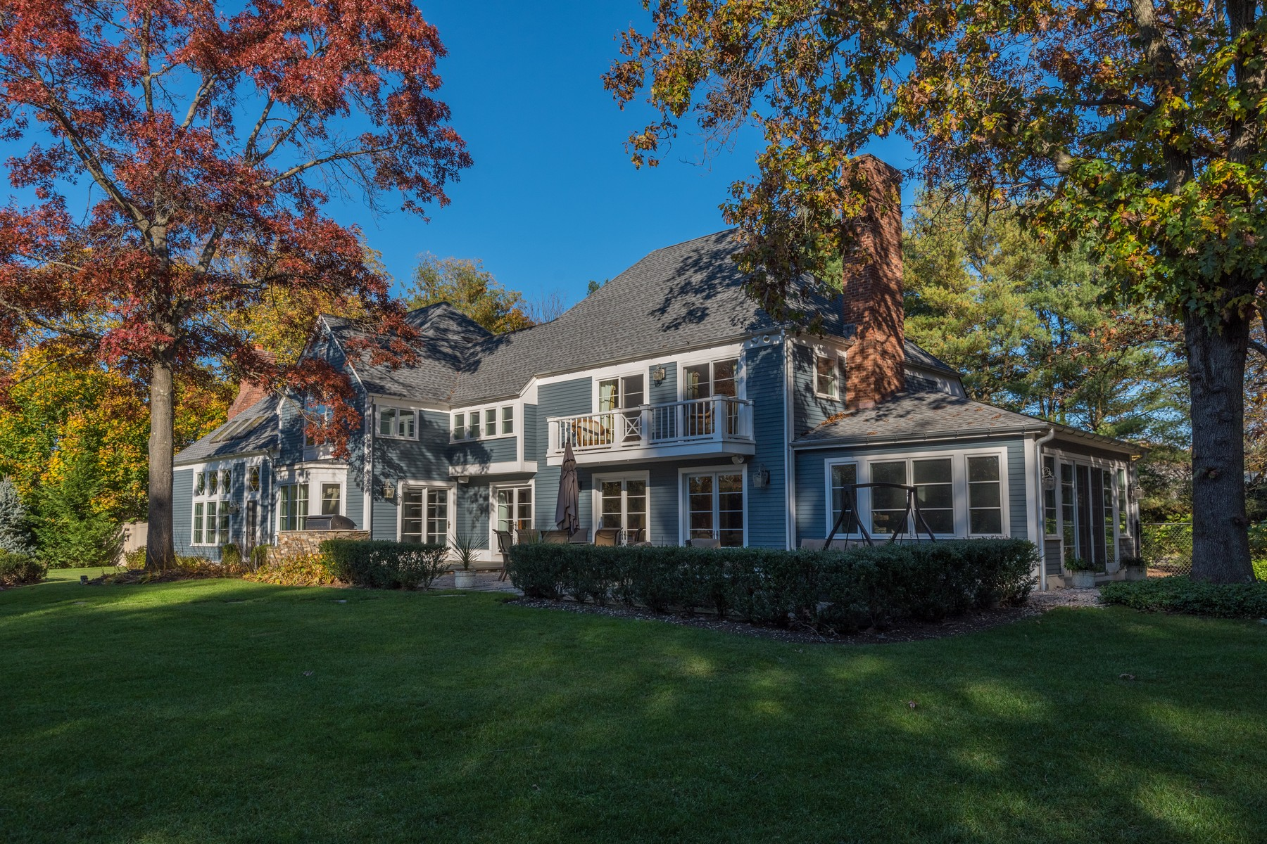Single Family Homes for Sale at Locust Valley 12 Cherrywood Rd Locust Valley, New York 11560 United States