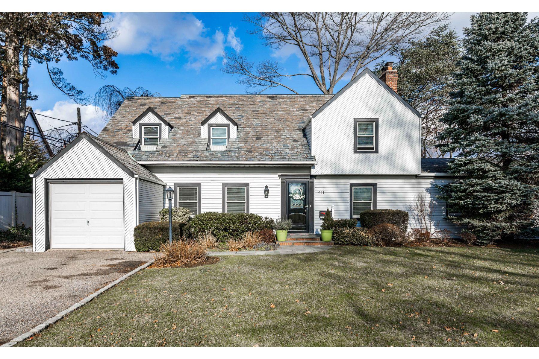 Single Family Homes por un Venta en Rockville Centre 411 Demott Avenue Rockville Centre, Nueva York 11570 Estados Unidos