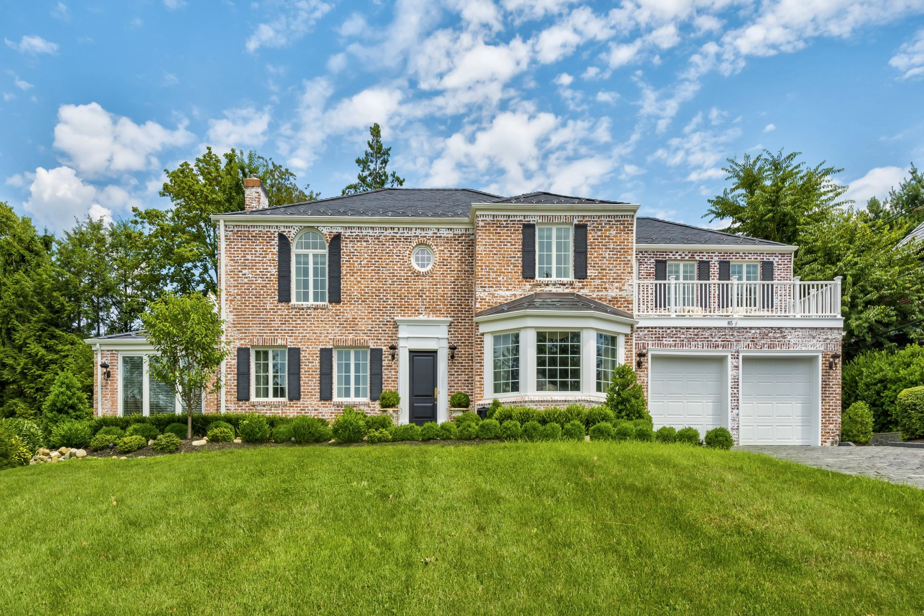 Single Family Homes for Active at Manhasset 85 Sherry Hill Ln Manhasset, New York 11030 United States