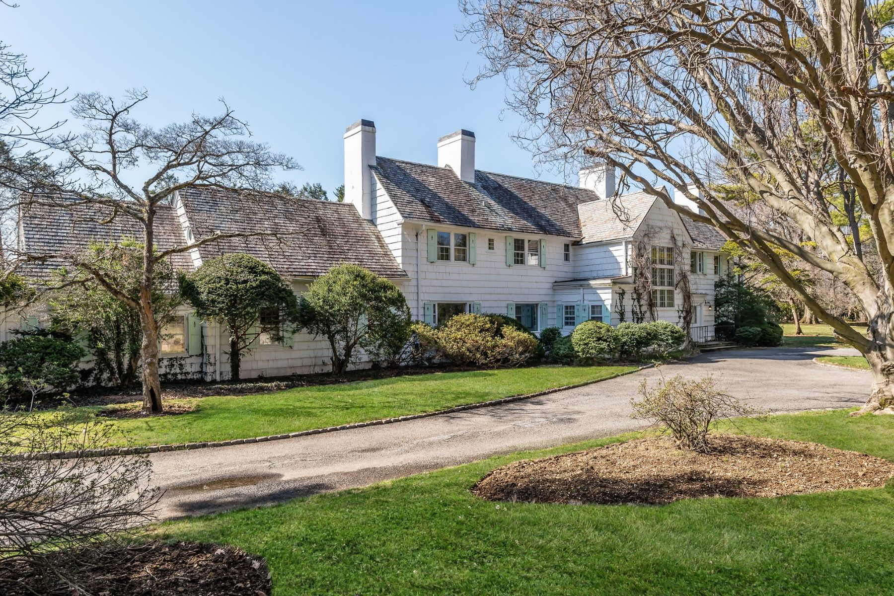 Single Family Homes for Sale at Glen Cove 10 Meadowspring Ln Glen Cove, New York 11542 United States