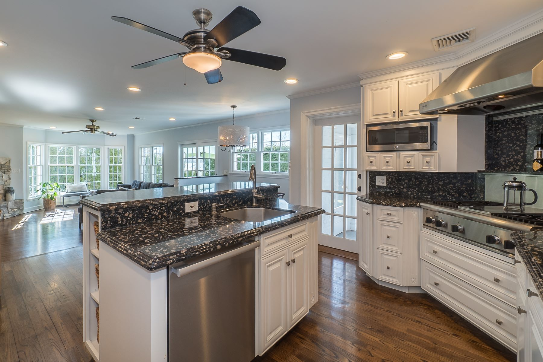 Single Family Homes for Sale at Manhasset 12 Willets Lane Manhasset, New York 11030 United States