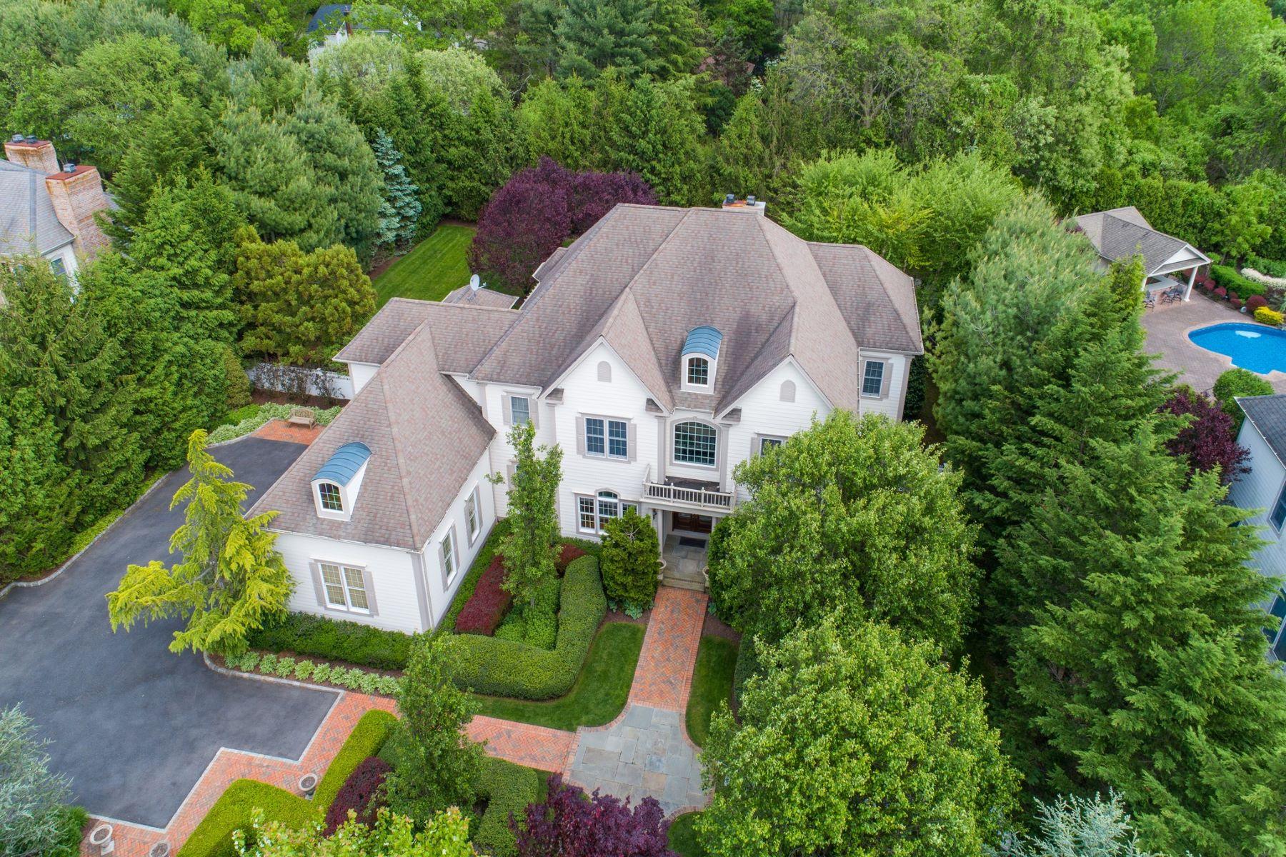 Single Family Homes para Venda às Melville 34 Legends Cir, Melville, Nova York 11747 Estados Unidos