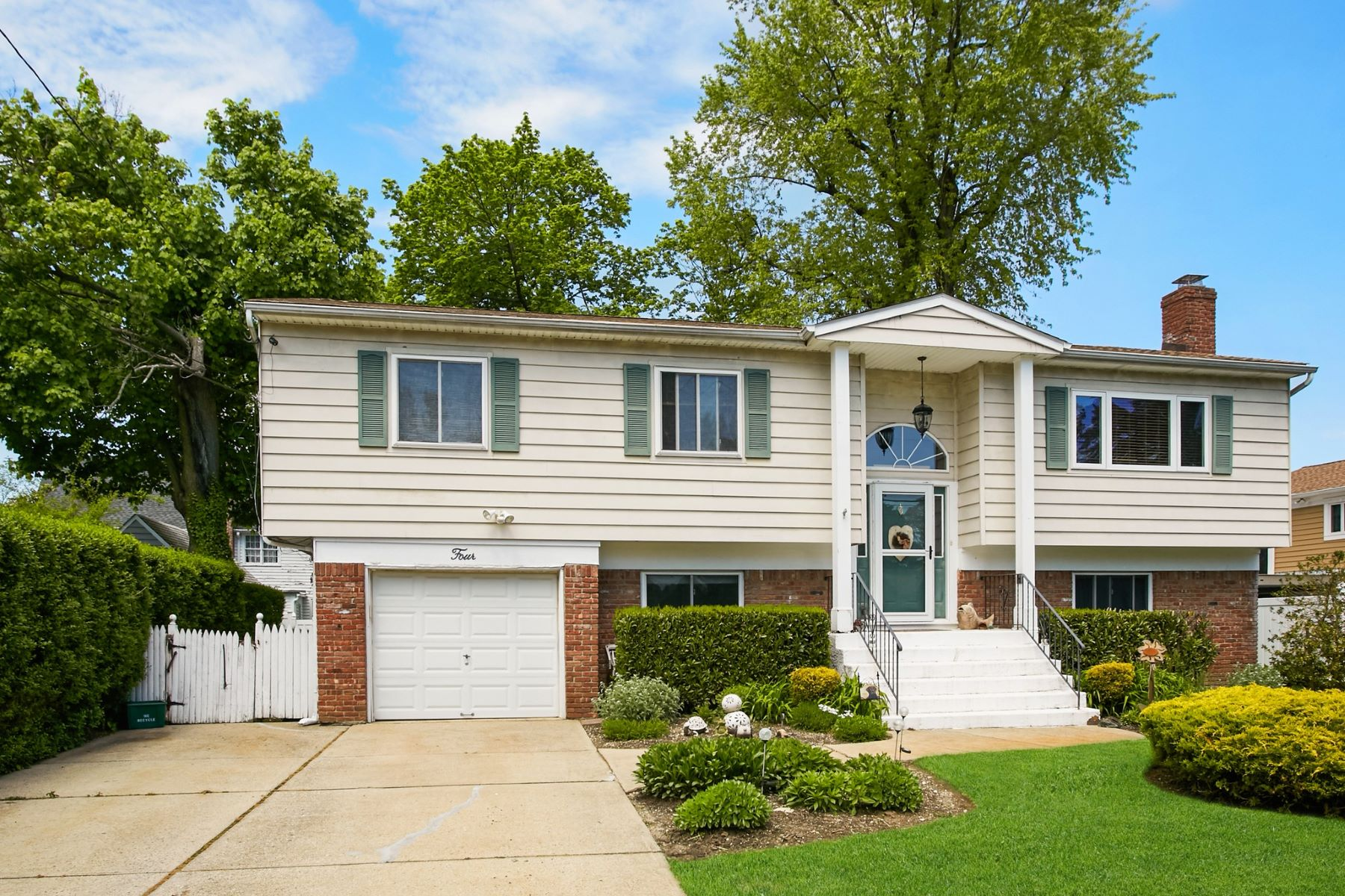 Single Family Homes for Active at Glenwood Landing 4 1st St Glenwood Landing, New York 11547 United States