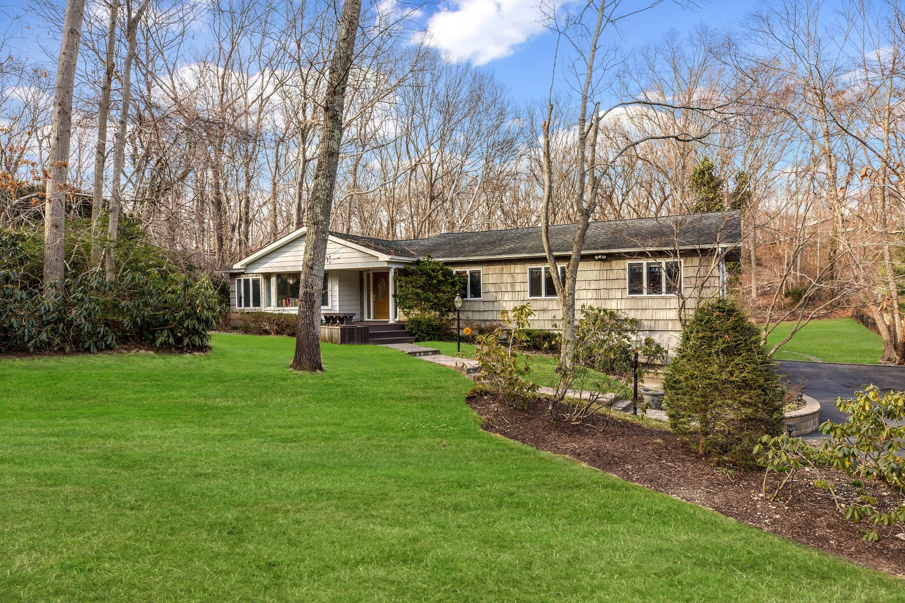Single Family Homes for Active at Melville 11 Farmington Ln Melville, New York 11747 United States