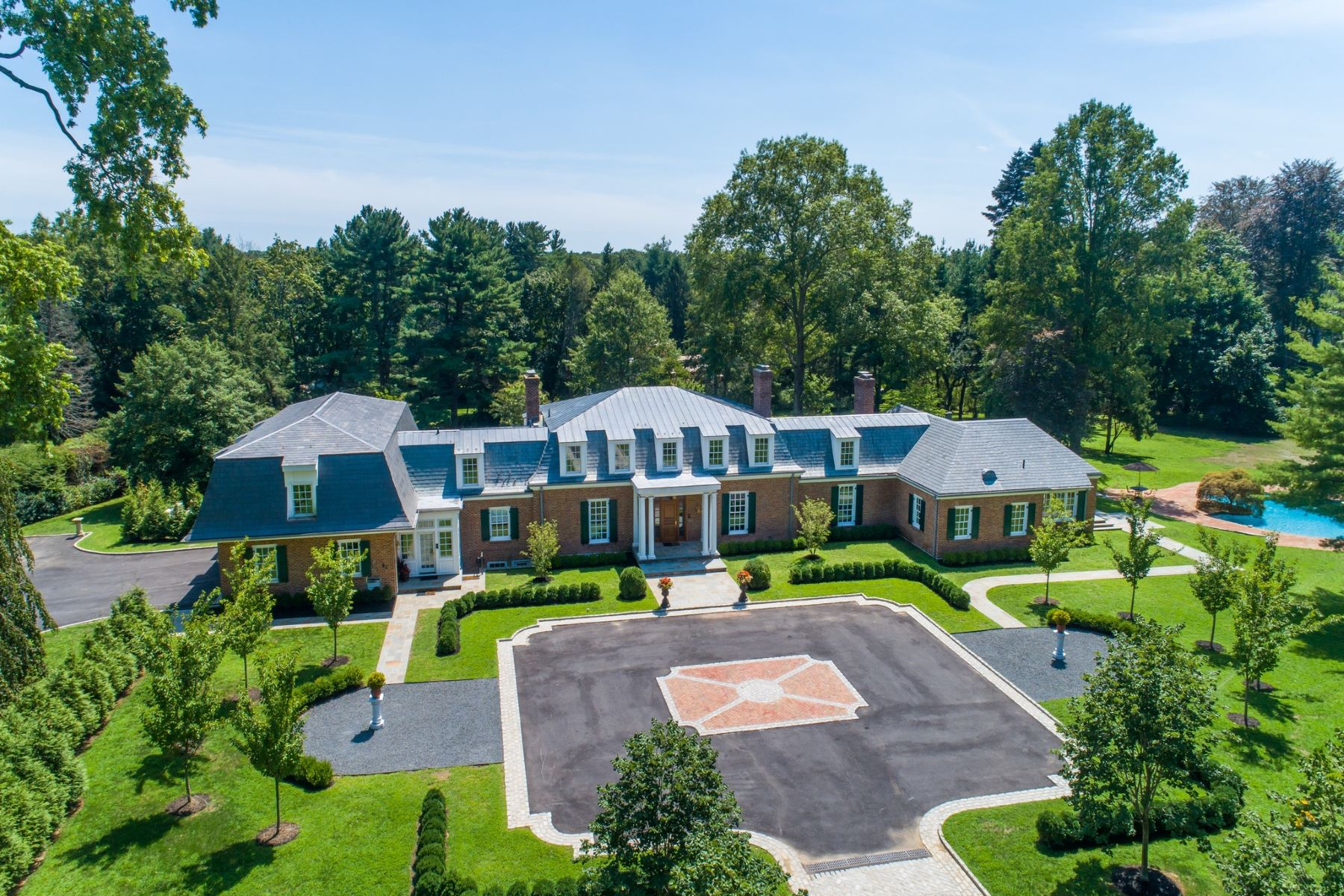 Single Family Homes for Sale at Old Westbury 28 Applegreen Drive Old Westbury, New York 11568 United States