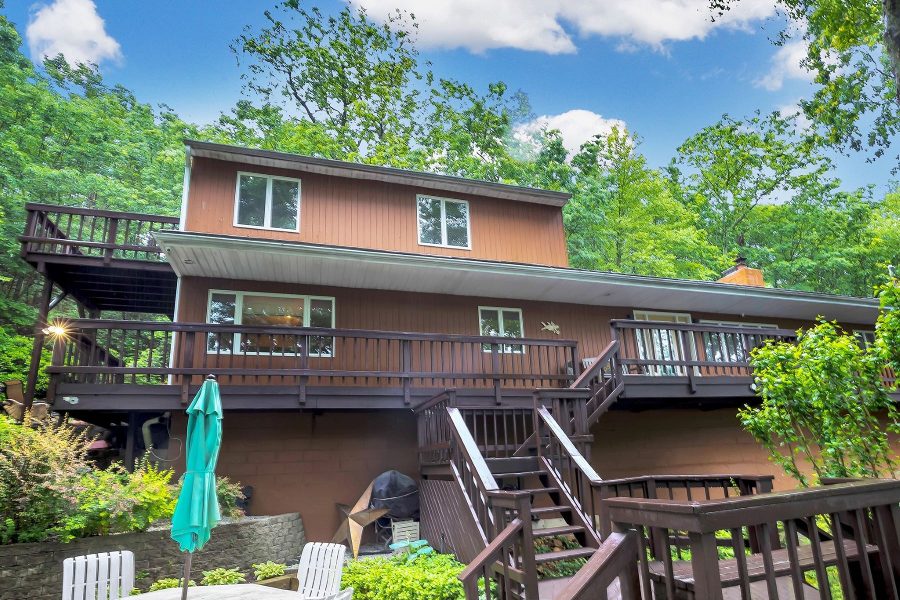 Single Family Homes for Sale at Cold Spring Hrbr 485 Harbor Rd Cold Spring Harbor, New York 11724 United States
